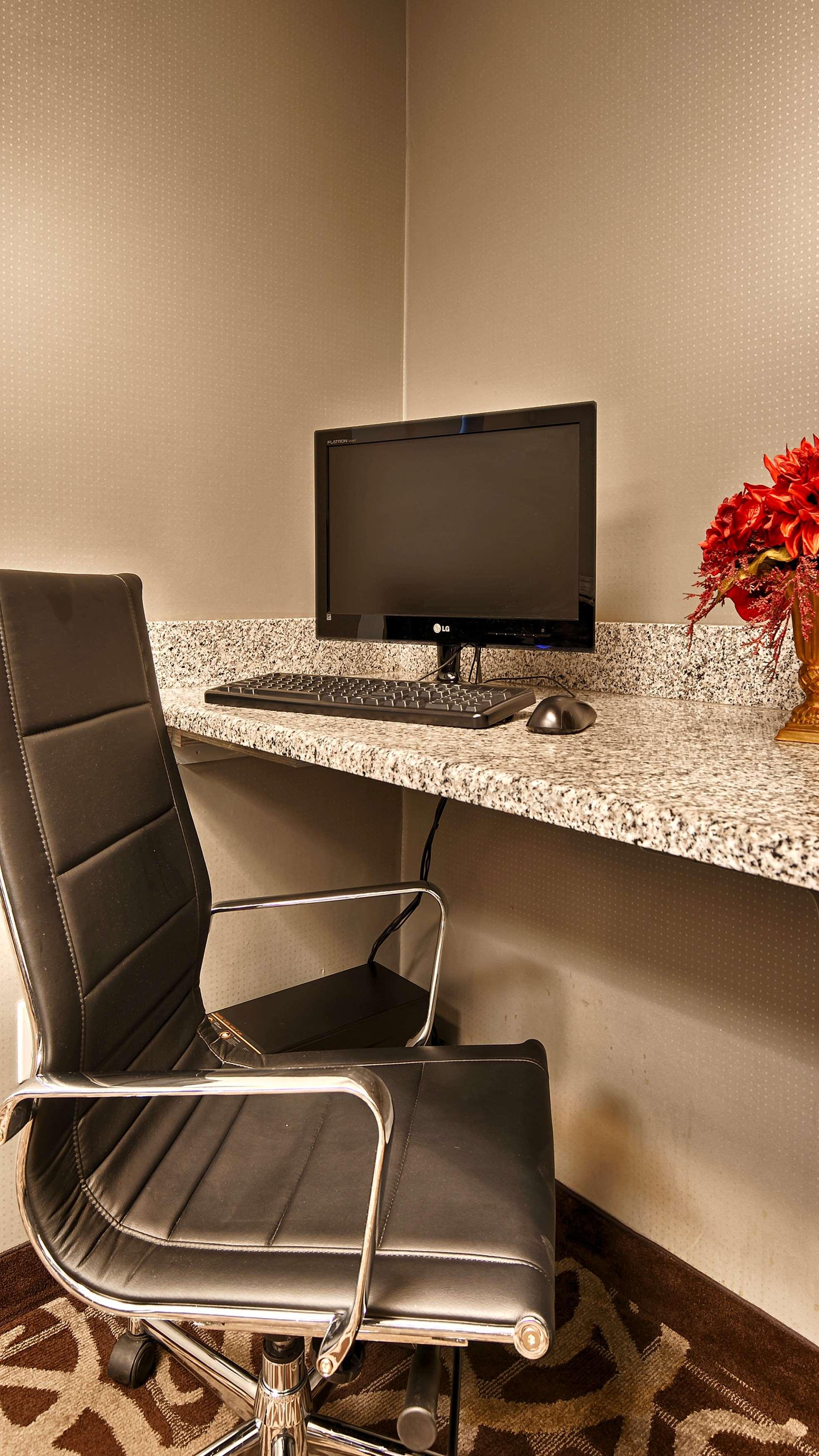 Best Western Plus Austin Airport Inn & Suites image 8