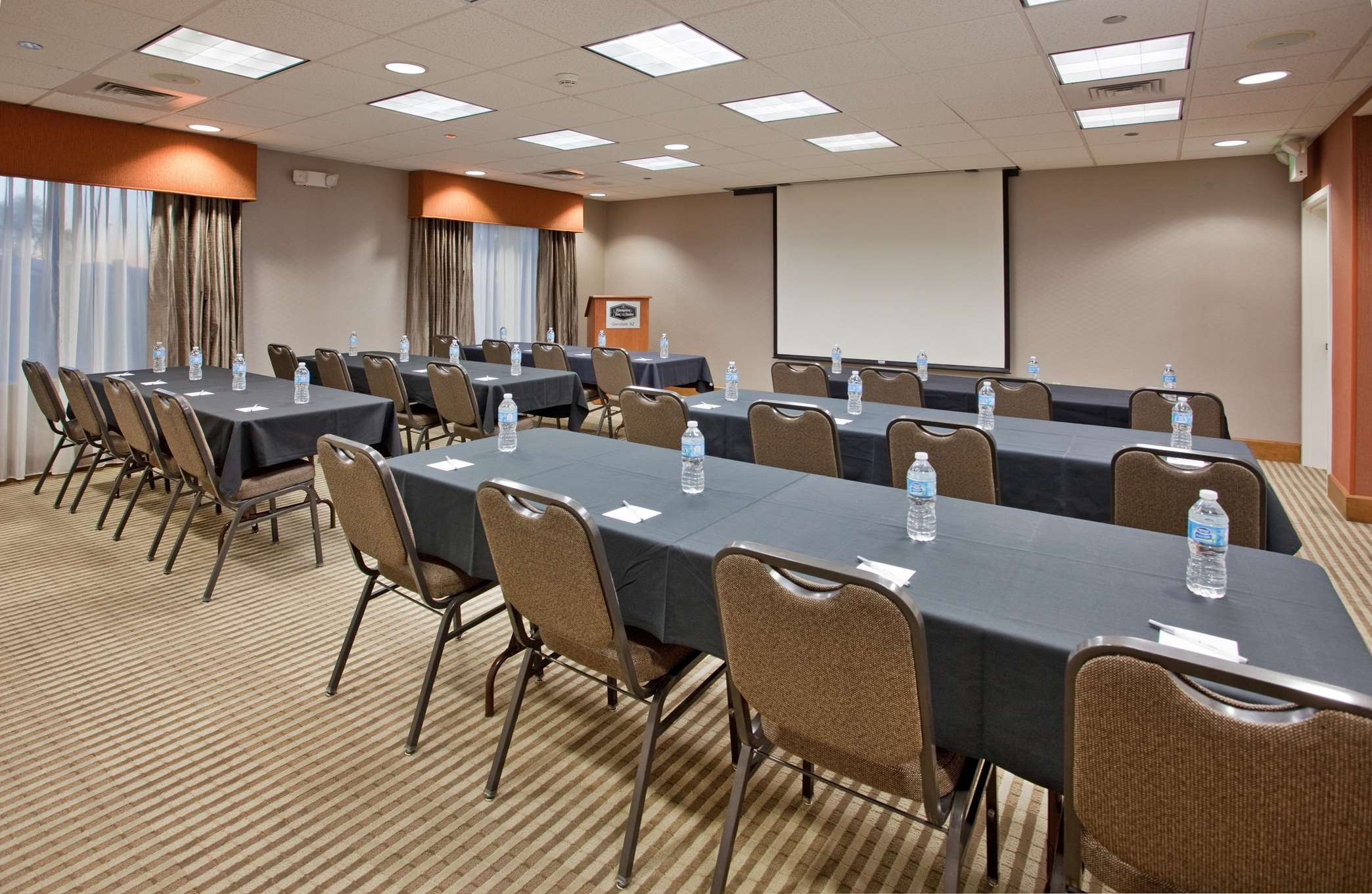 Hampton Inn & Suites Phoenix Glendale-Westgate image 22
