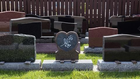 Shelly  Memorials image 0