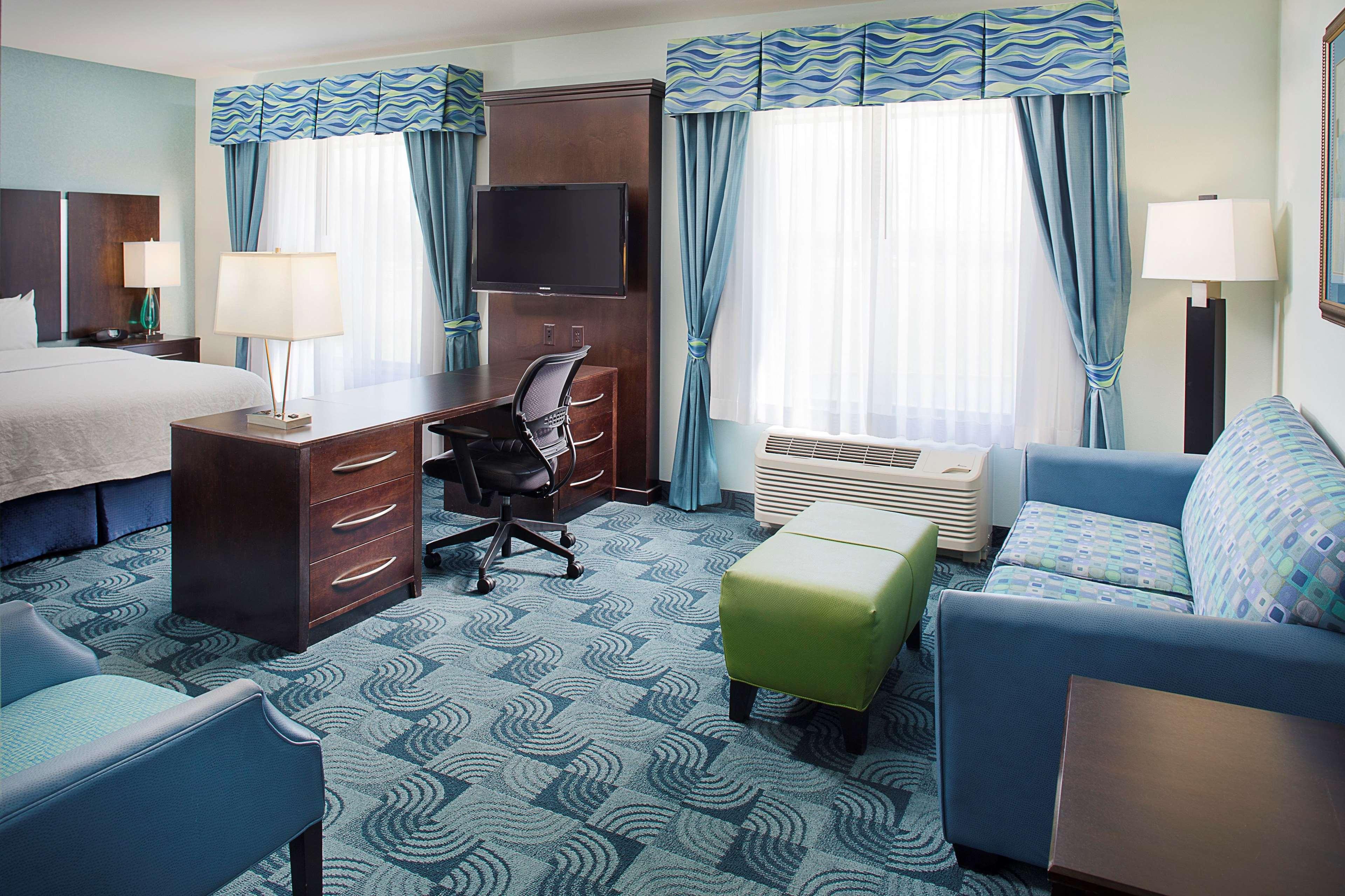 Hampton Inn & Suites Dallas/Lewisville-Vista Ridge Mall, TX image 42