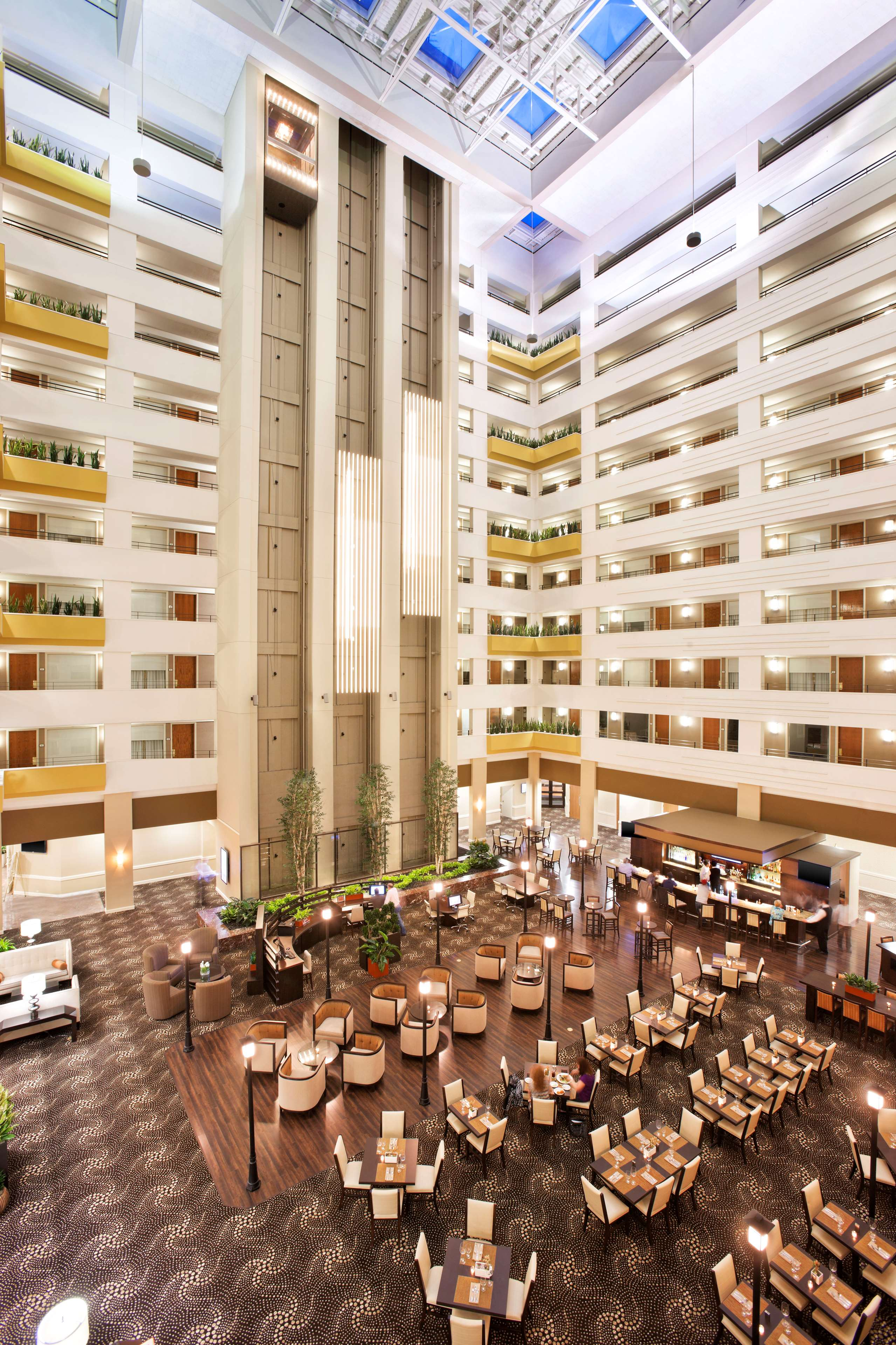 Sheraton Suites Chicago O'Hare image 9