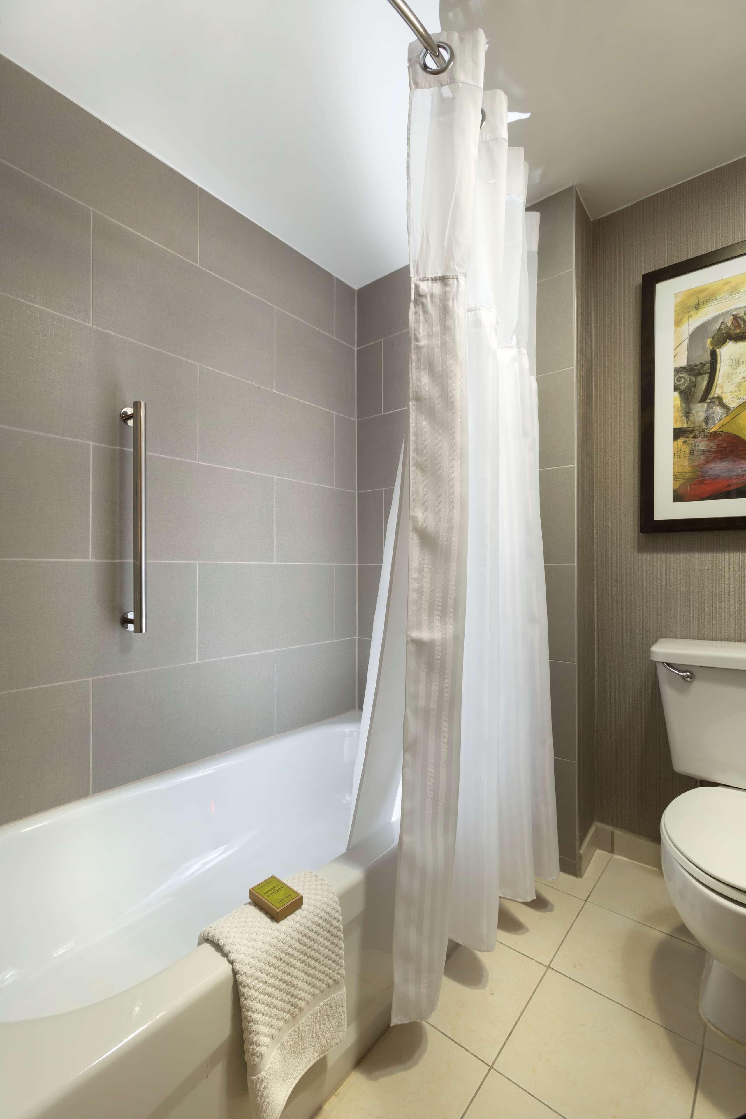 DoubleTree Suites by Hilton Hotel Nashville Airport image 28