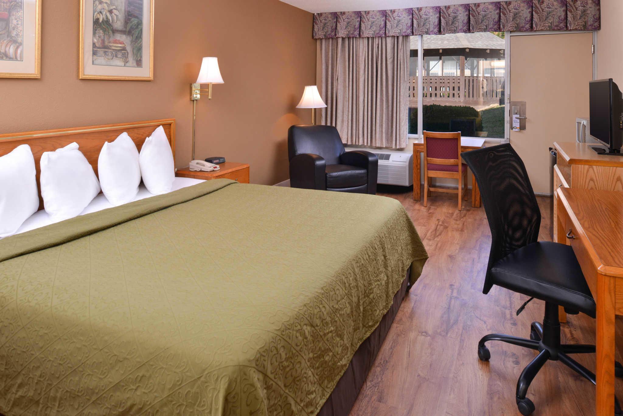 Quality Inn Dutch Inn image 19