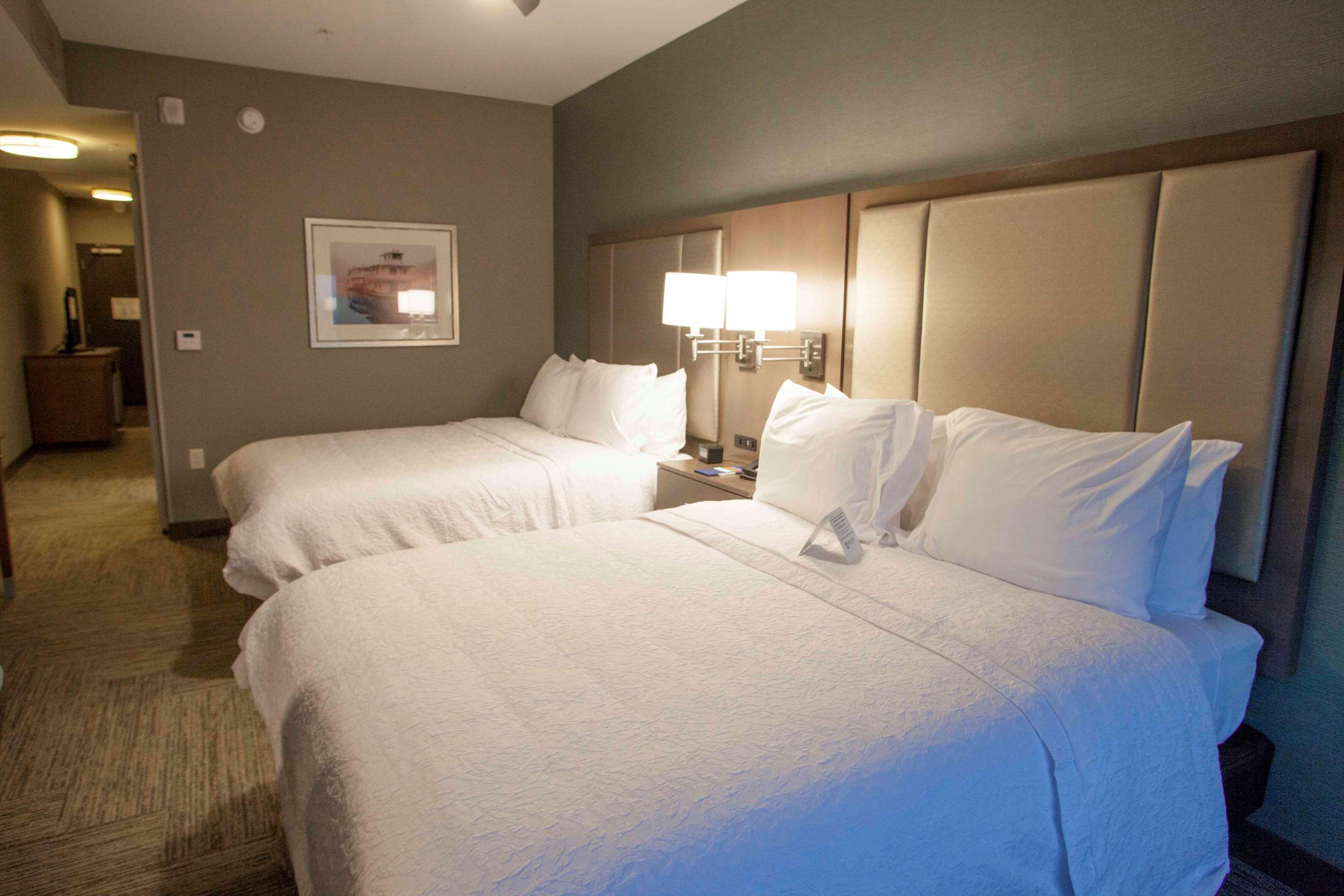 Hampton Inn & Suites Downtown St. Paul image 25