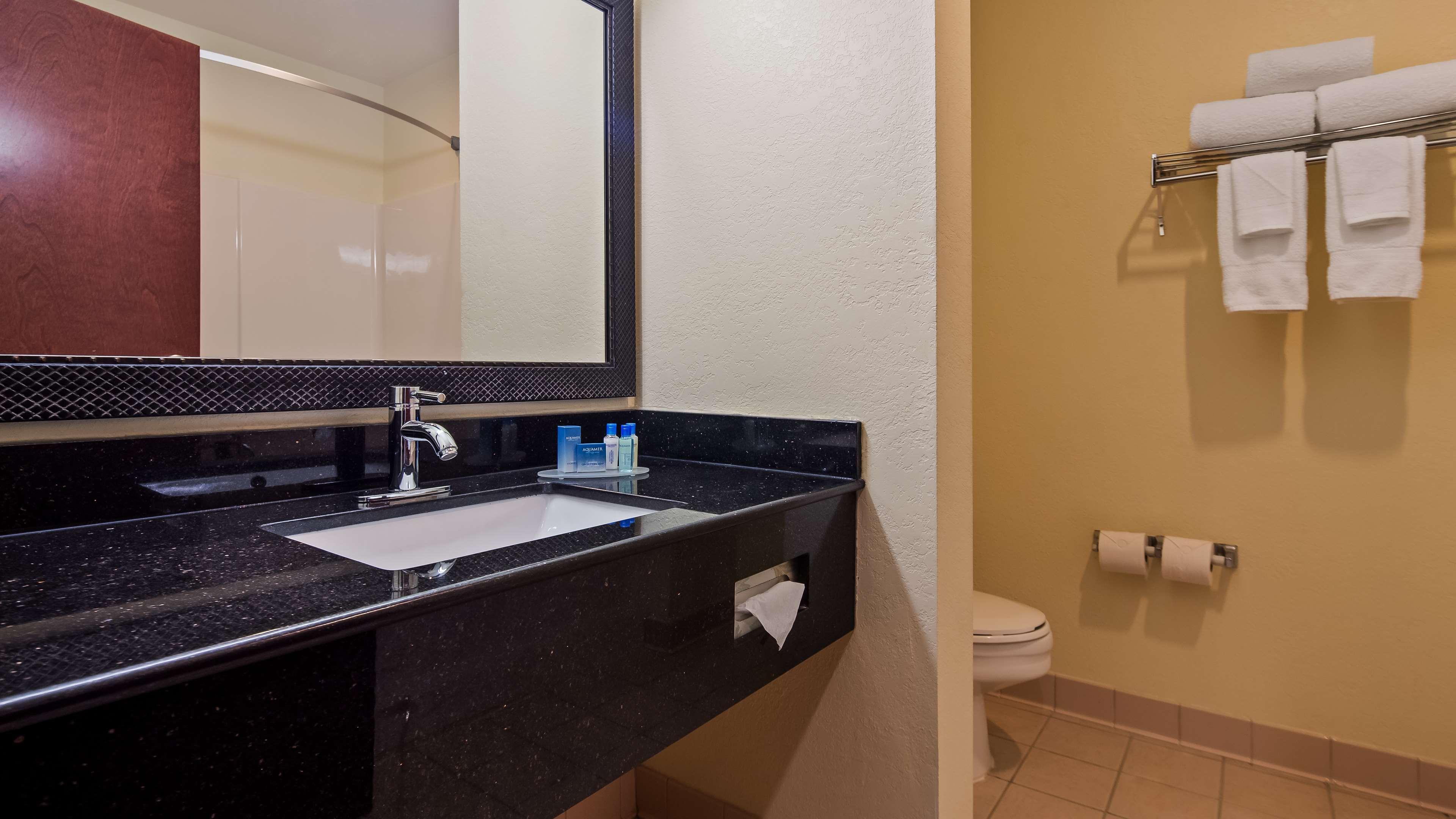 Best Western Concord Inn & Suites image 26