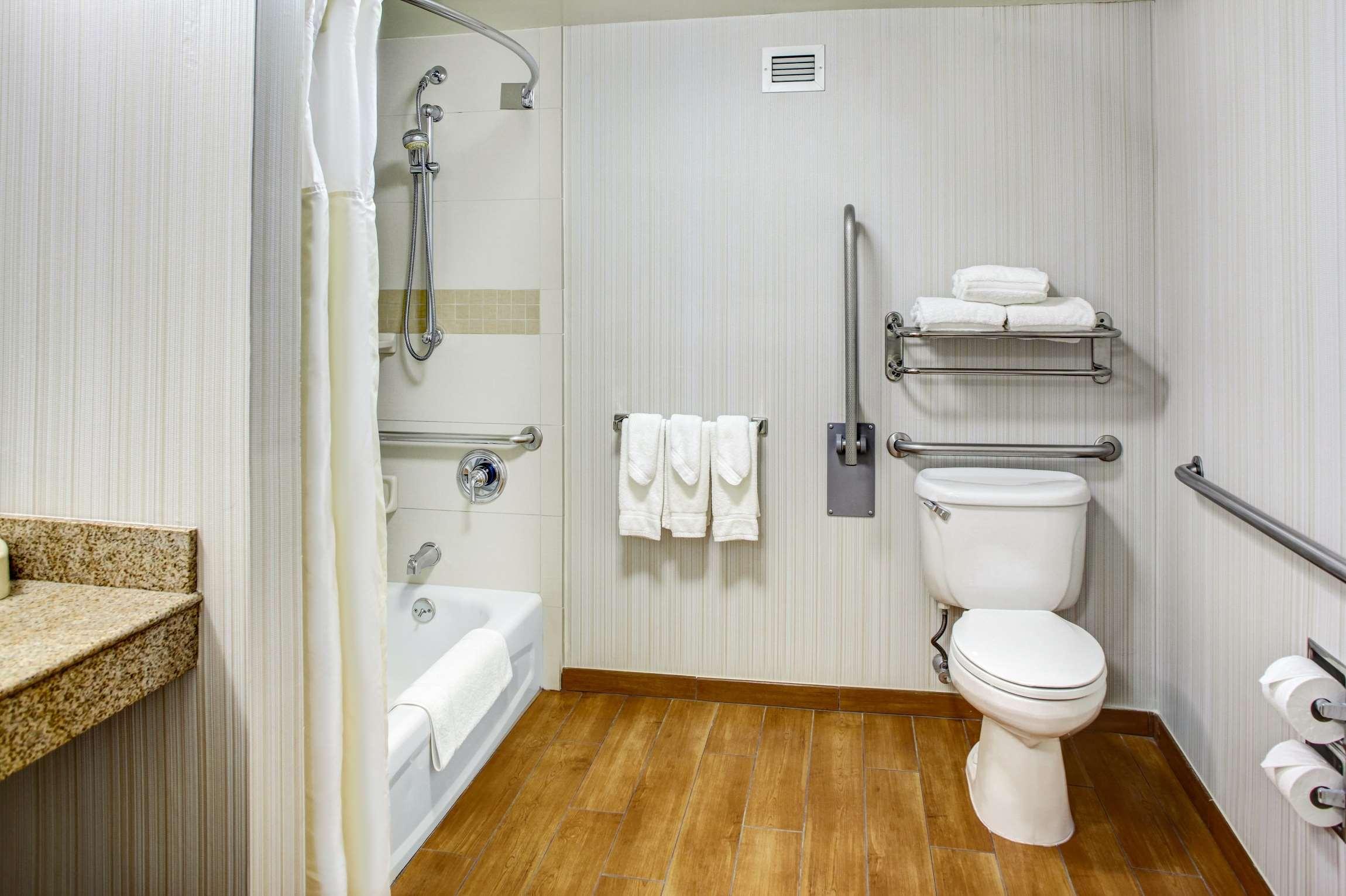Hilton Garden Inn Danbury image 28