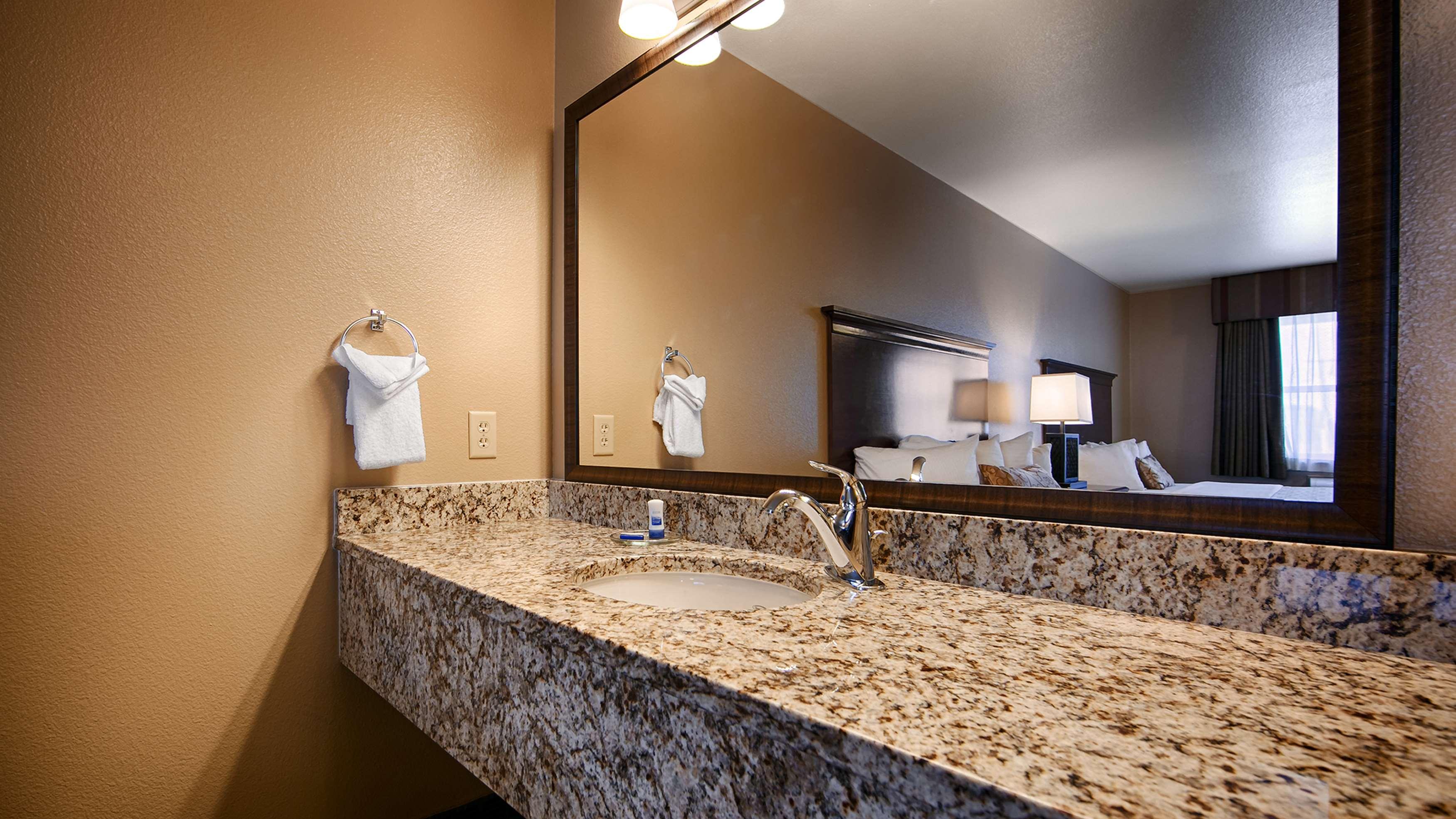 Best Western Fallon Inn & Suites image 42