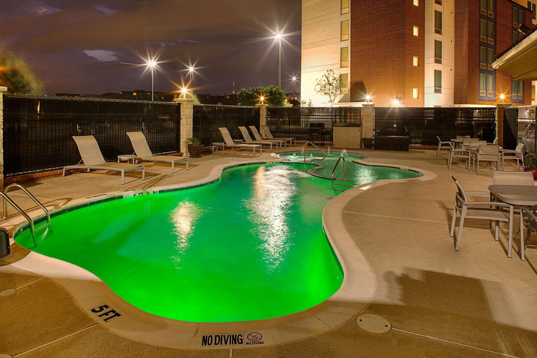 Hampton Inn & Suites Dallas/Lewisville-Vista Ridge Mall, TX image 34