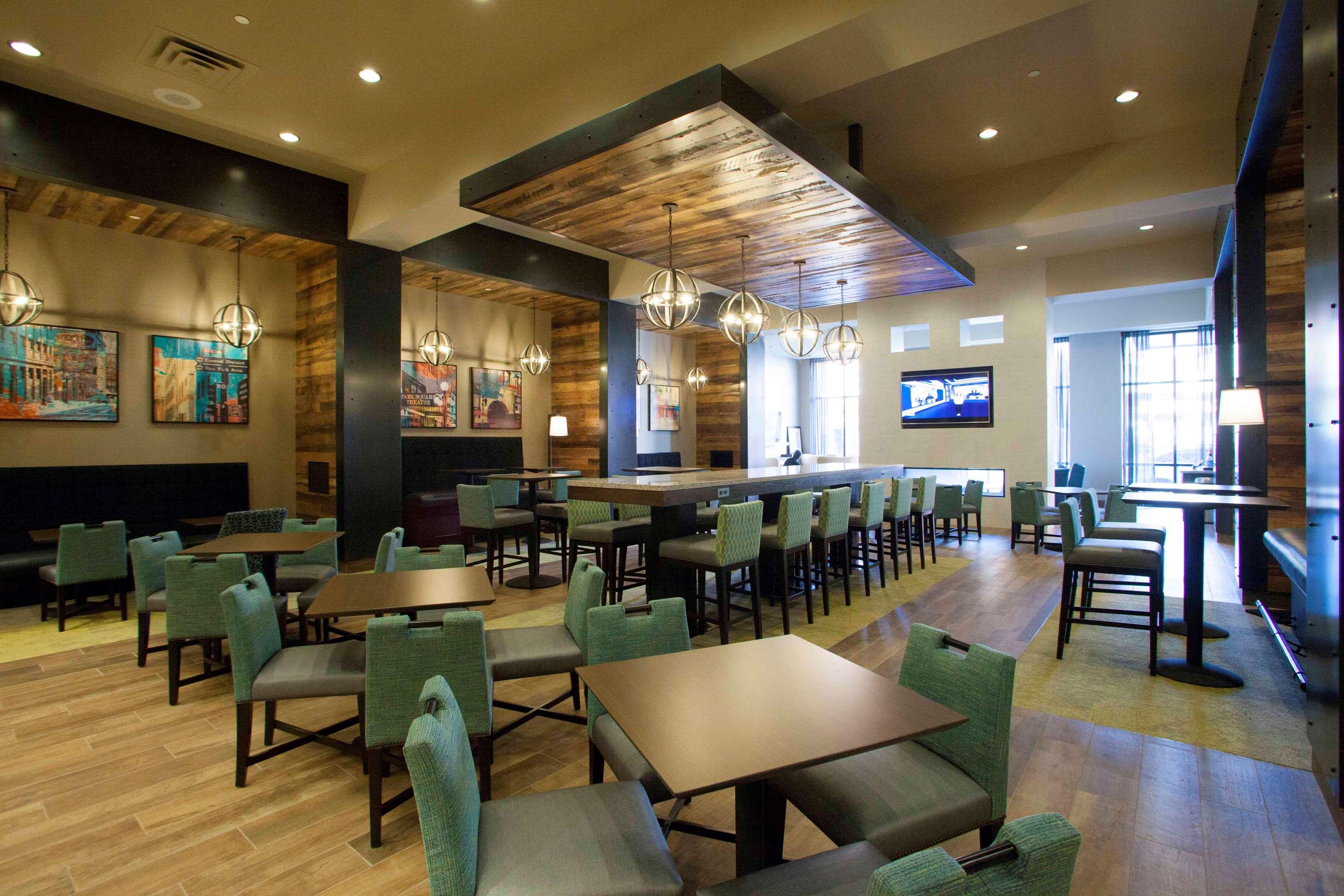 Hampton Inn & Suites Downtown St. Paul image 16