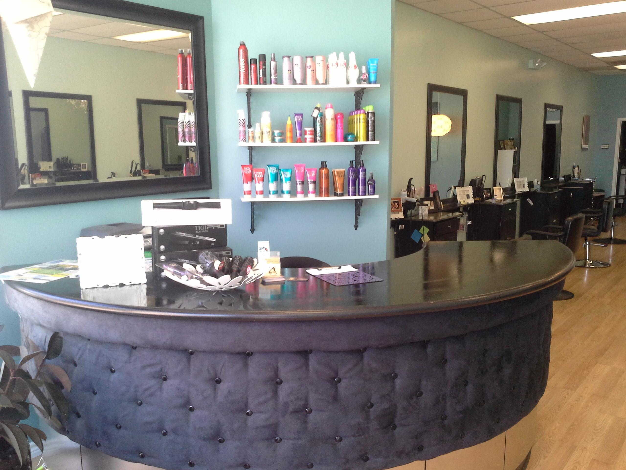 Bettie Bangs Salon image 37