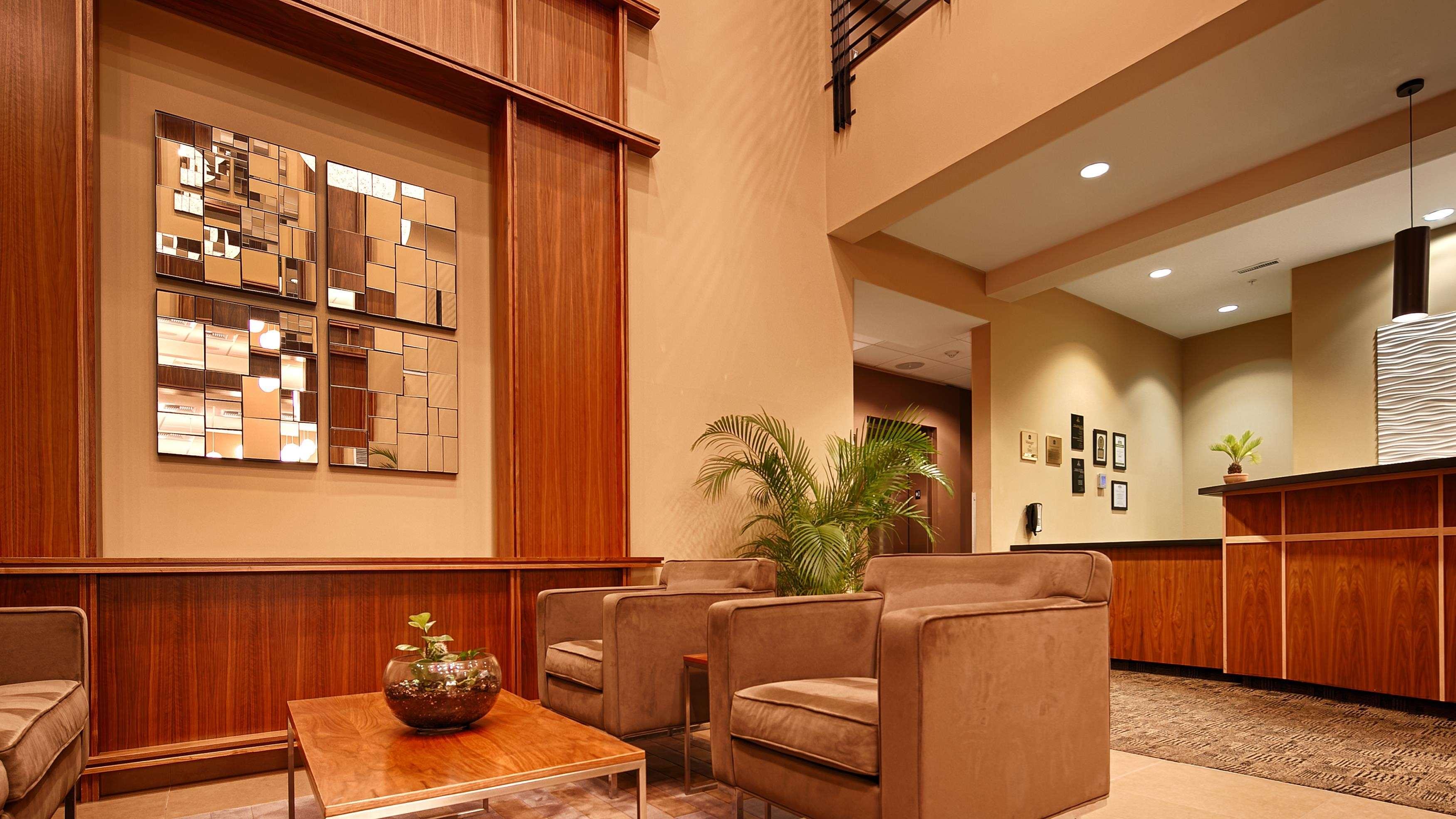 Best Western Plus Lacey Inn & Suites image 11
