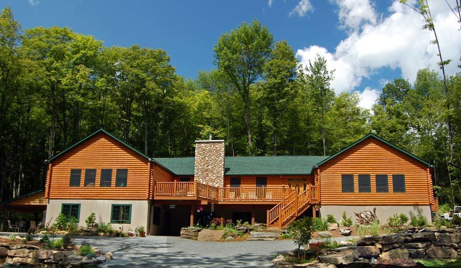 Little Creek Lodge image 0