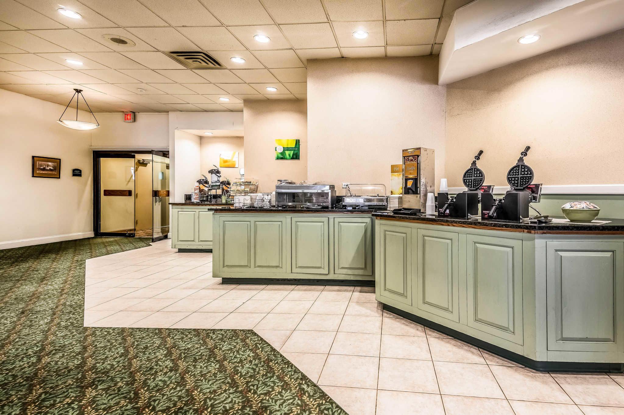 Quality Inn near Finger Lakes and Seneca Falls image 27