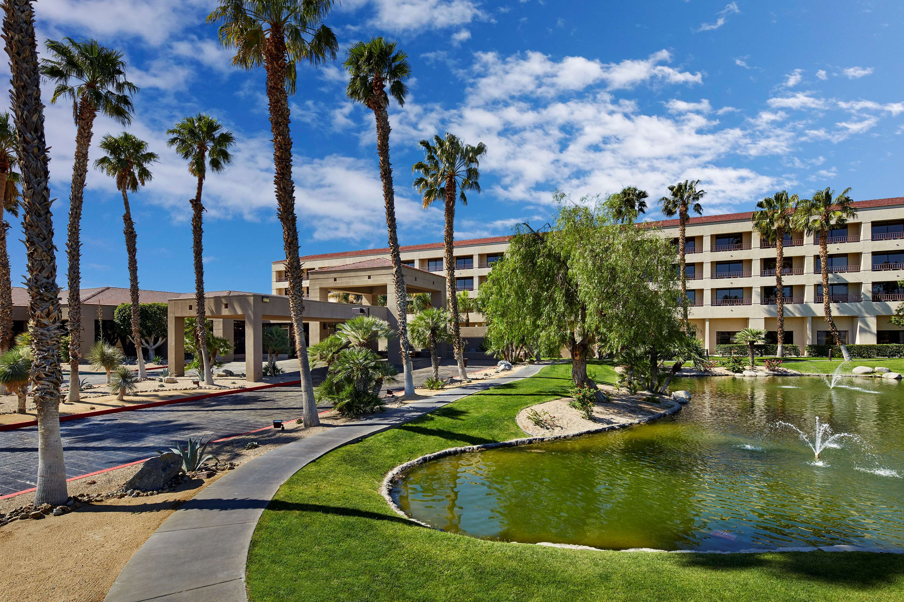 DoubleTree by Hilton Hotel Golf Resort Palm Springs image 5