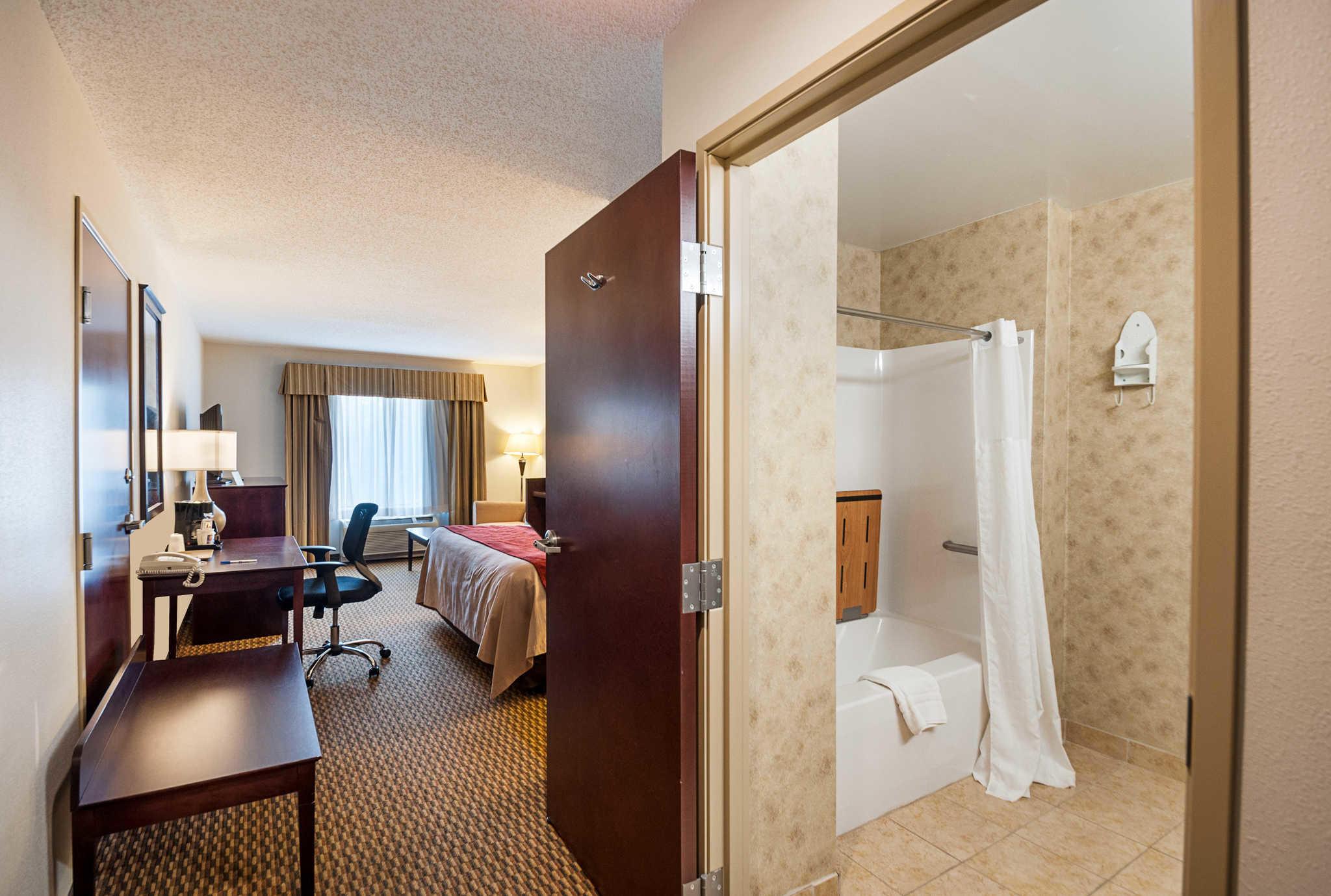 Comfort Inn & Suites Cambridge image 9