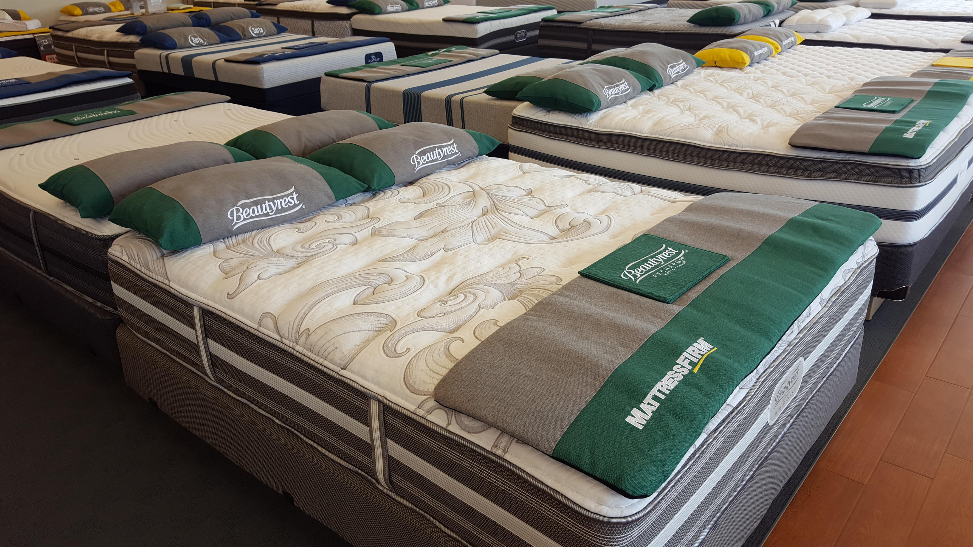 Mattress Firm Wedge Olive Branch image 4