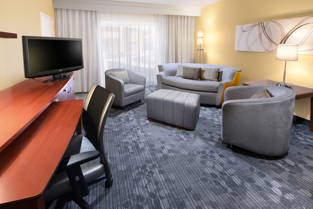 Courtyard by Marriott Oklahoma City Airport image 11