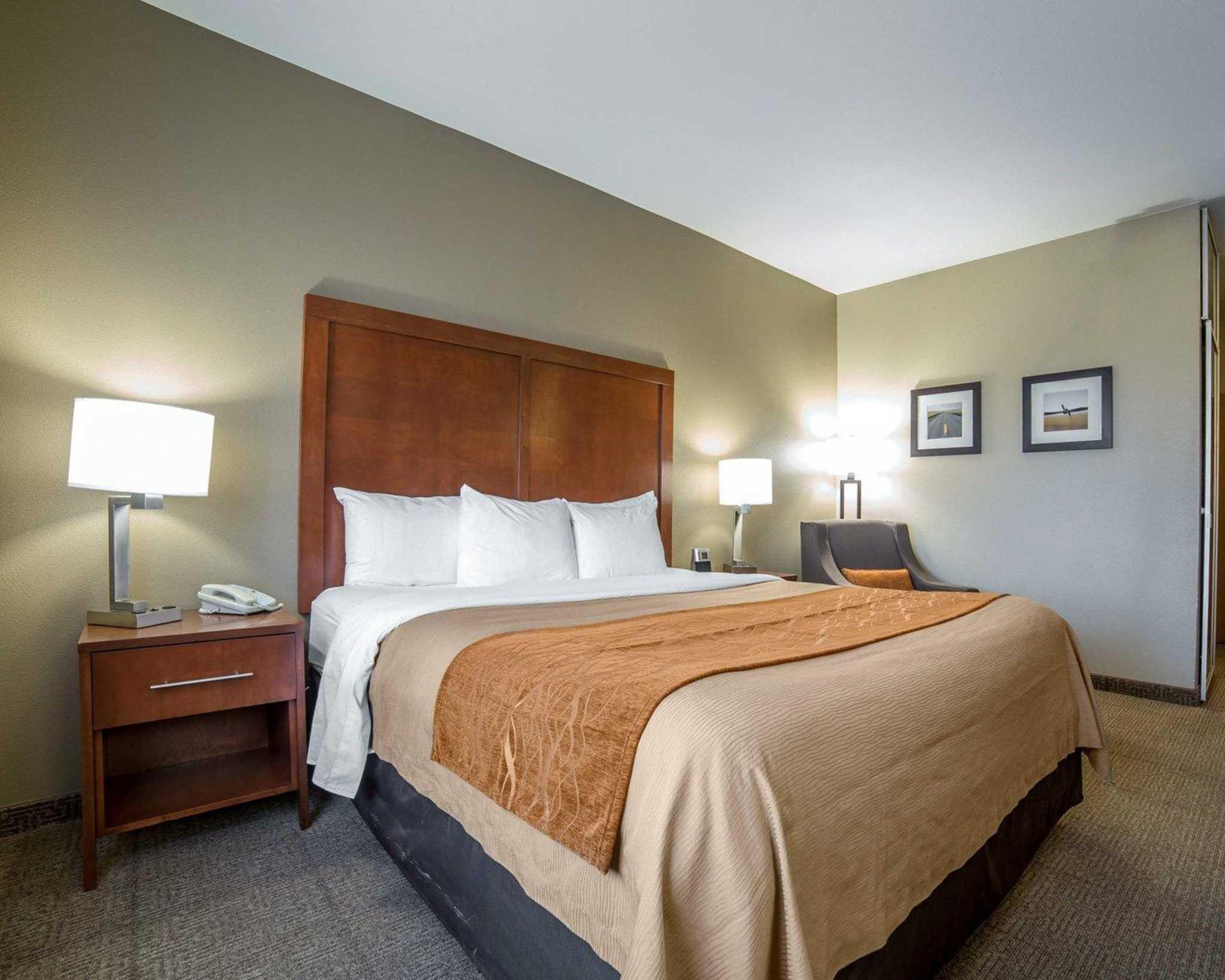 Comfort Inn Evansville-Casper image 2