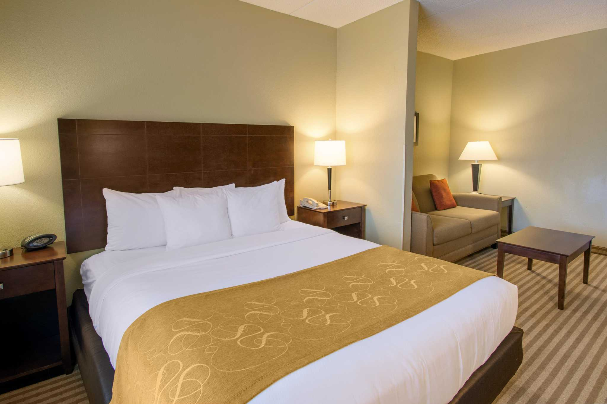 Comfort Suites Near Universal Orlando Resort image 18