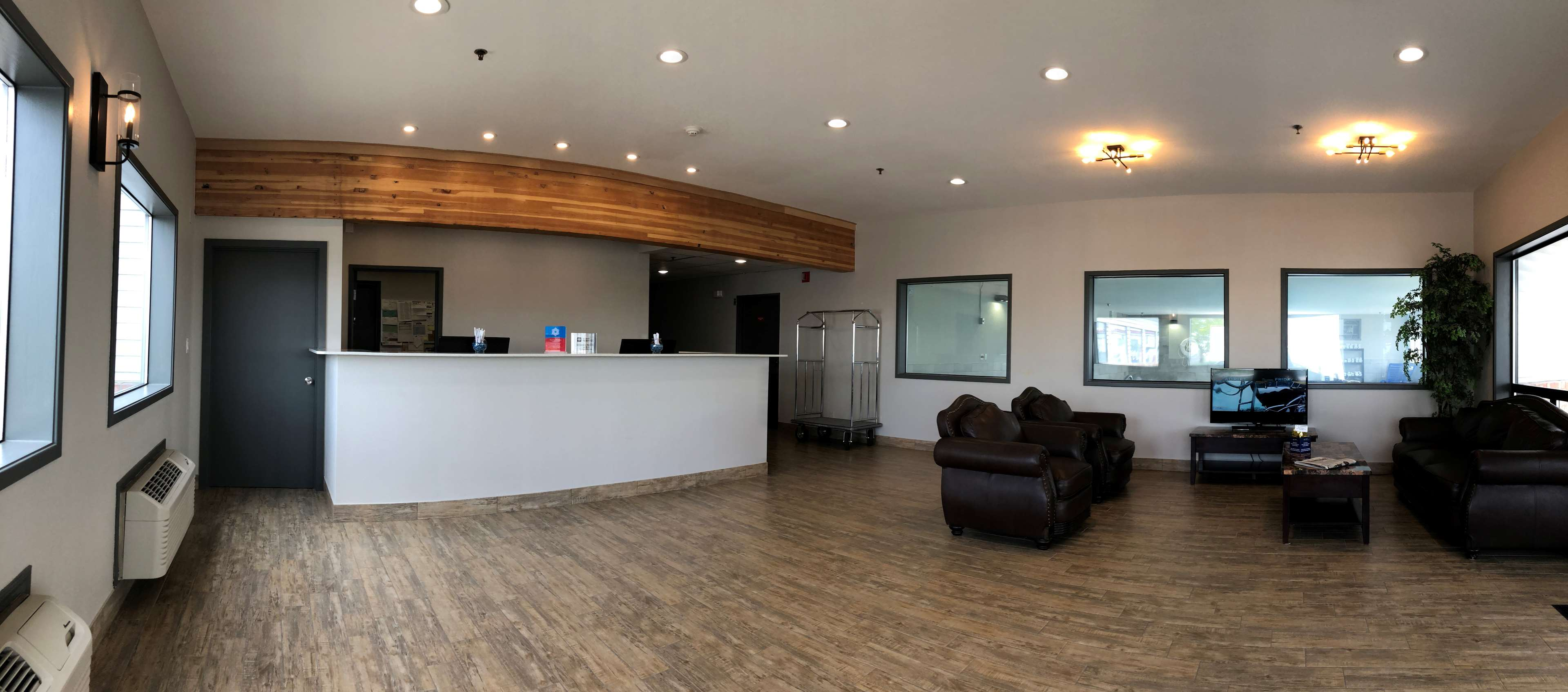 SureStay Plus Hotel by Best Western Moses Lake image 0