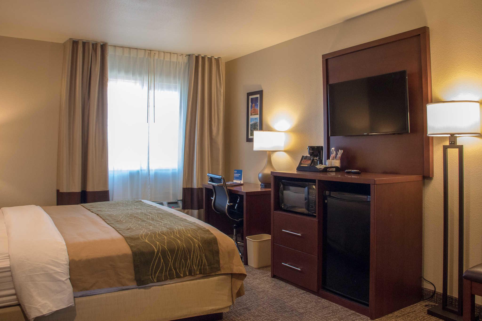 Comfort Inn I-17 & I-40 image 12