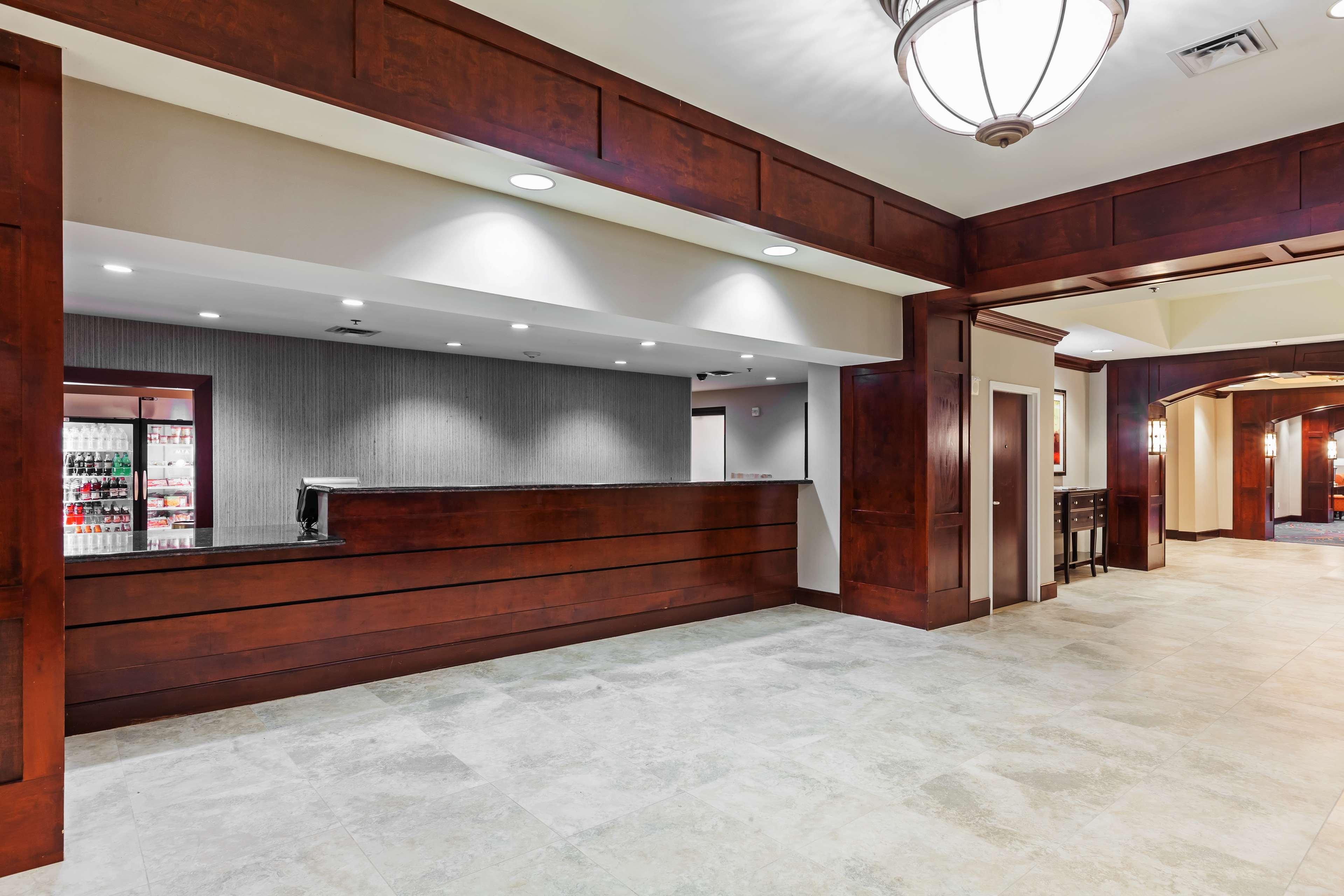 Hilton Waco image 18