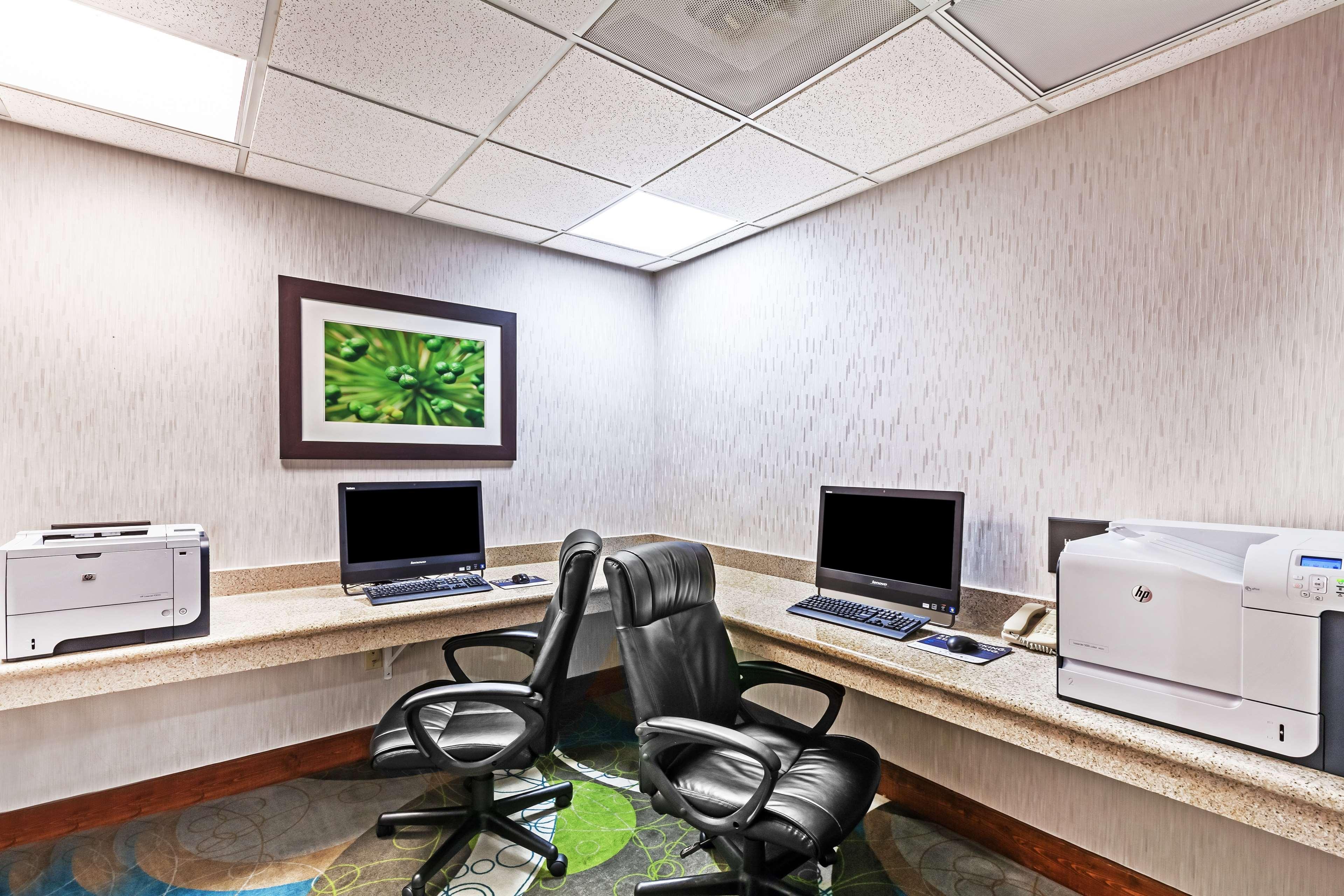 Hampton Inn & Suites Houston-Westchase image 33