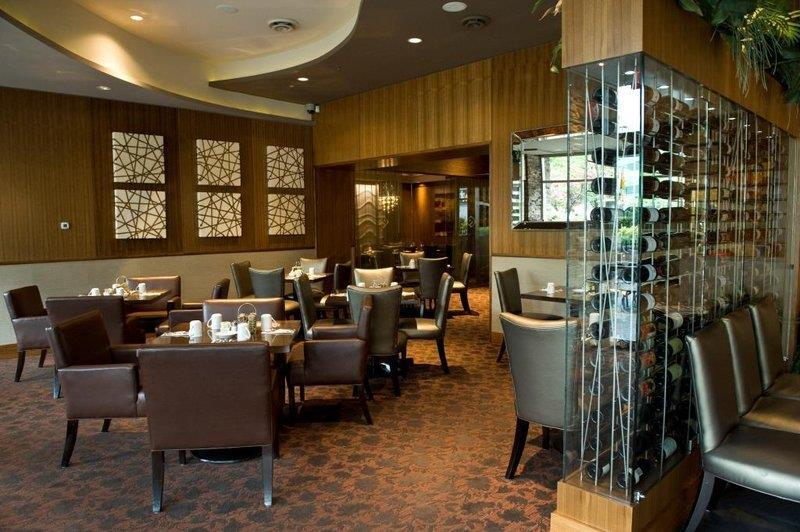 Best Western Plus Chateau Granville Hotel & Suites & Conference Ctr. in Vancouver: The Edge Social Grille & Lounge