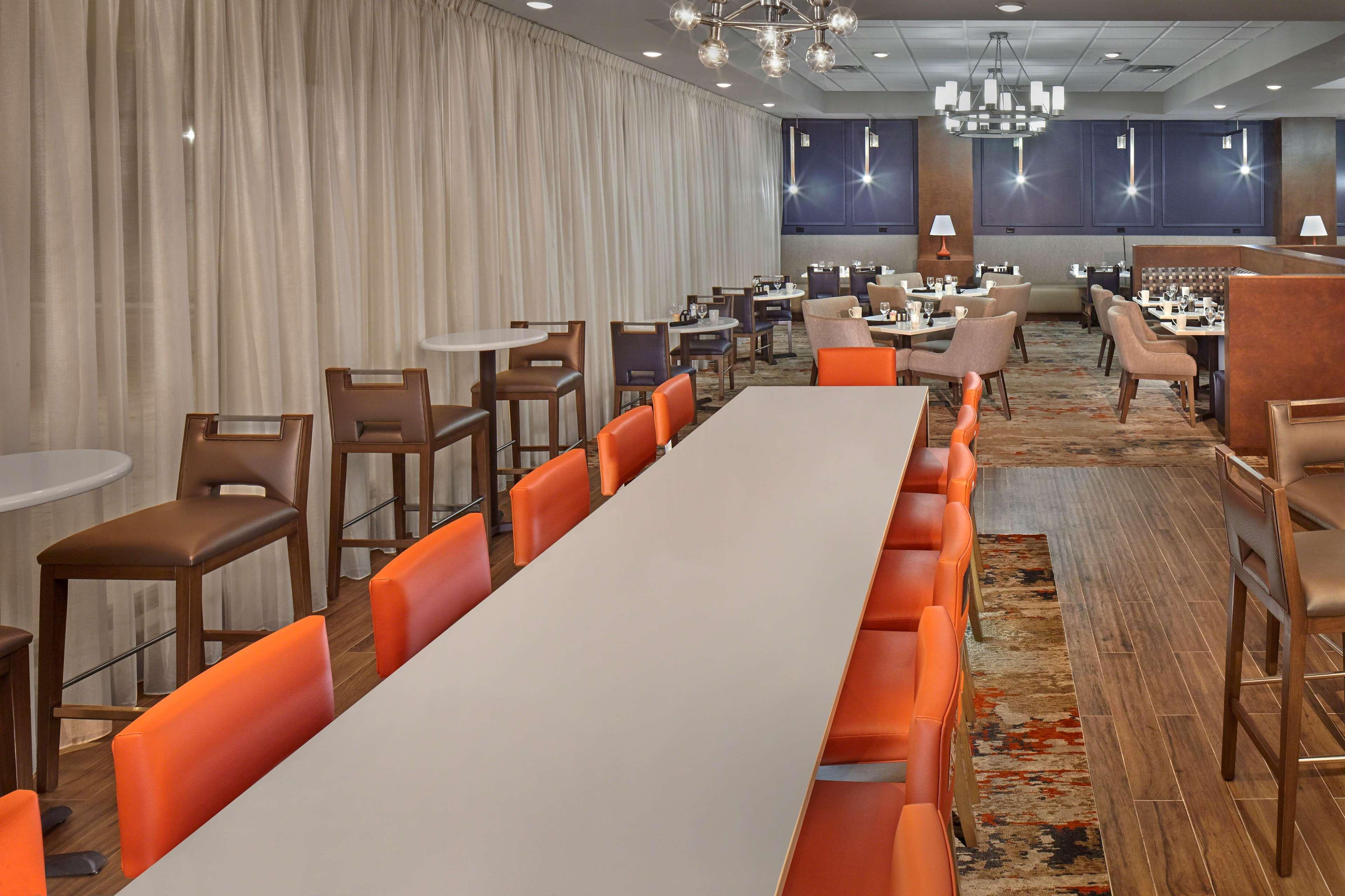 DoubleTree by Hilton Hotel Little Rock image 12