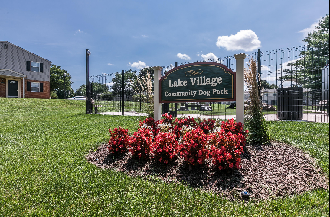Lake Village Townhouses image 12