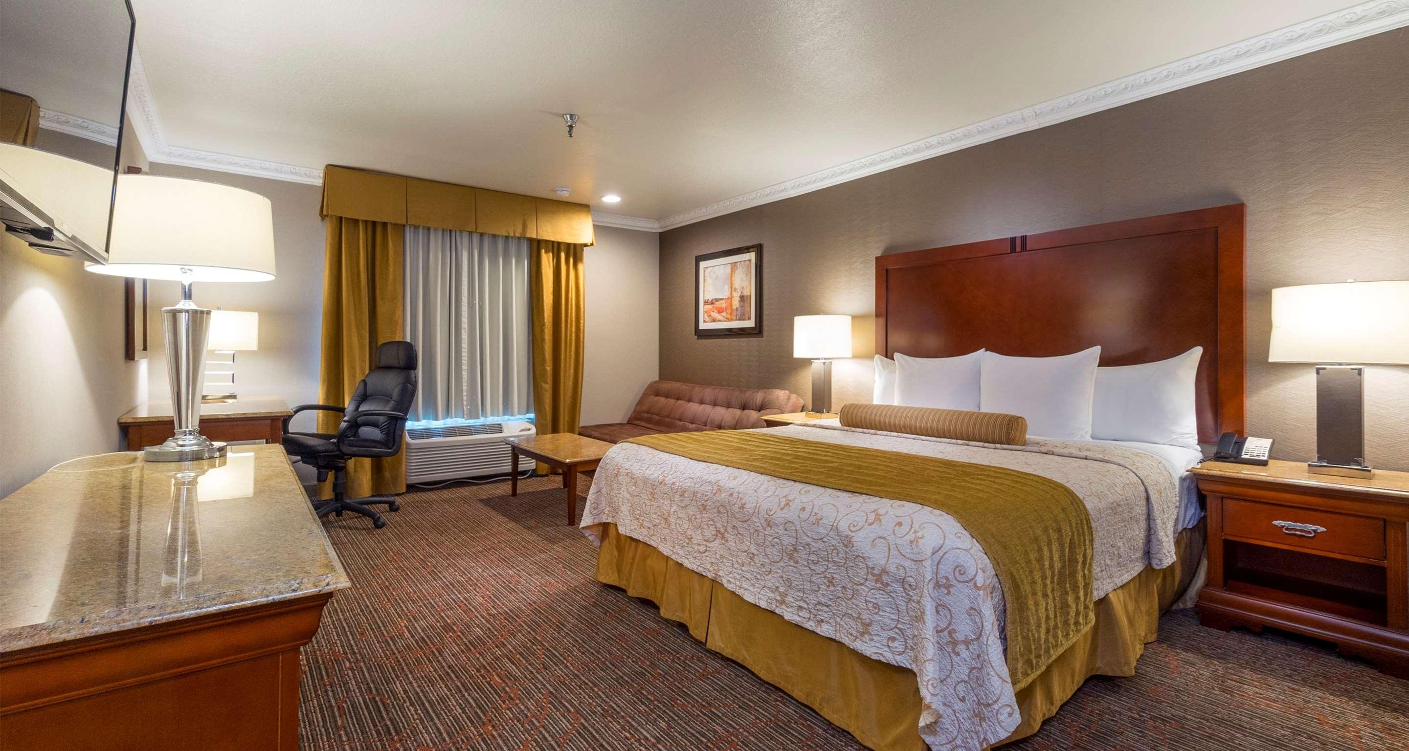 Best Western Plus Newport Mesa Inn image 34