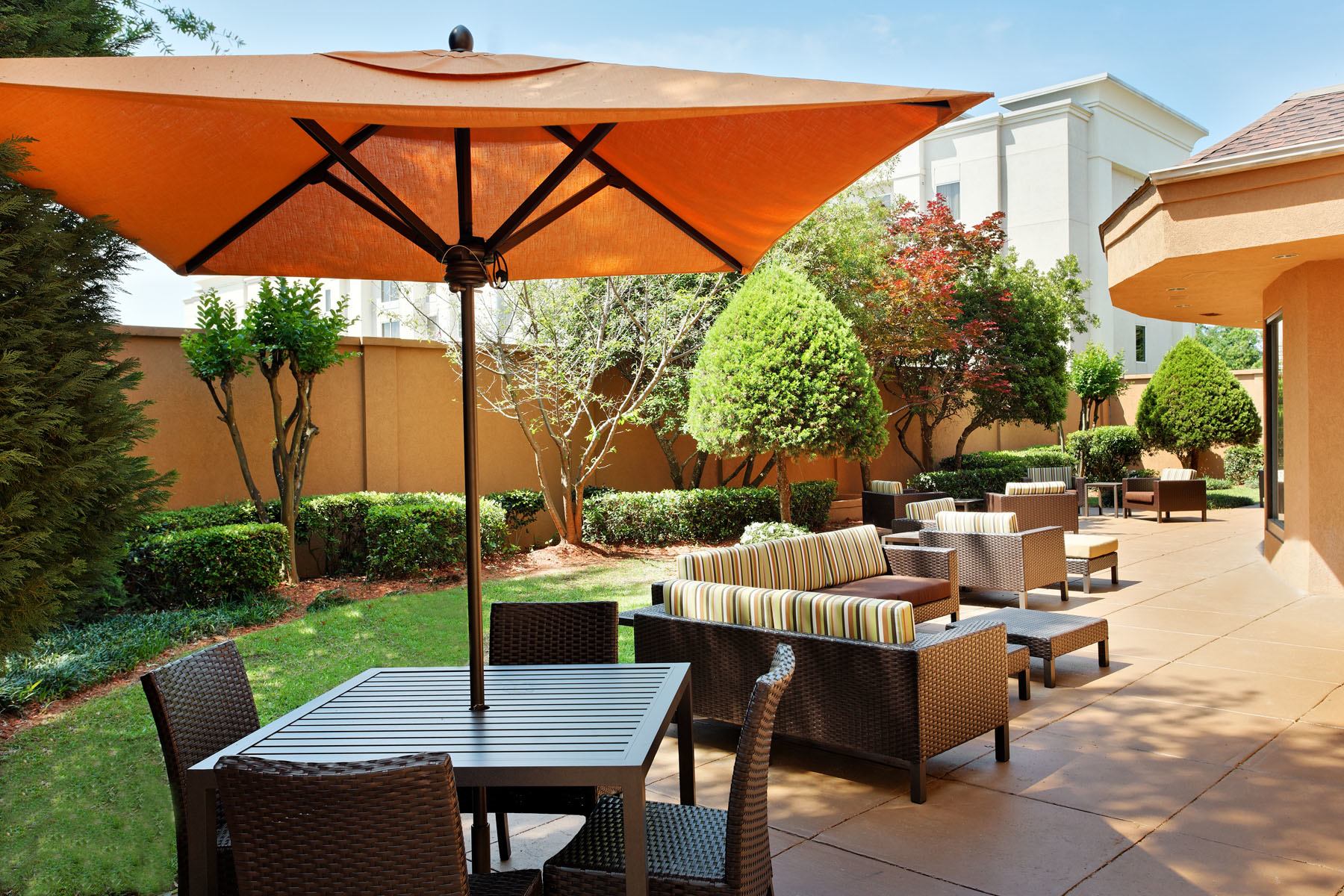 Courtyard by Marriott Mobile image 17