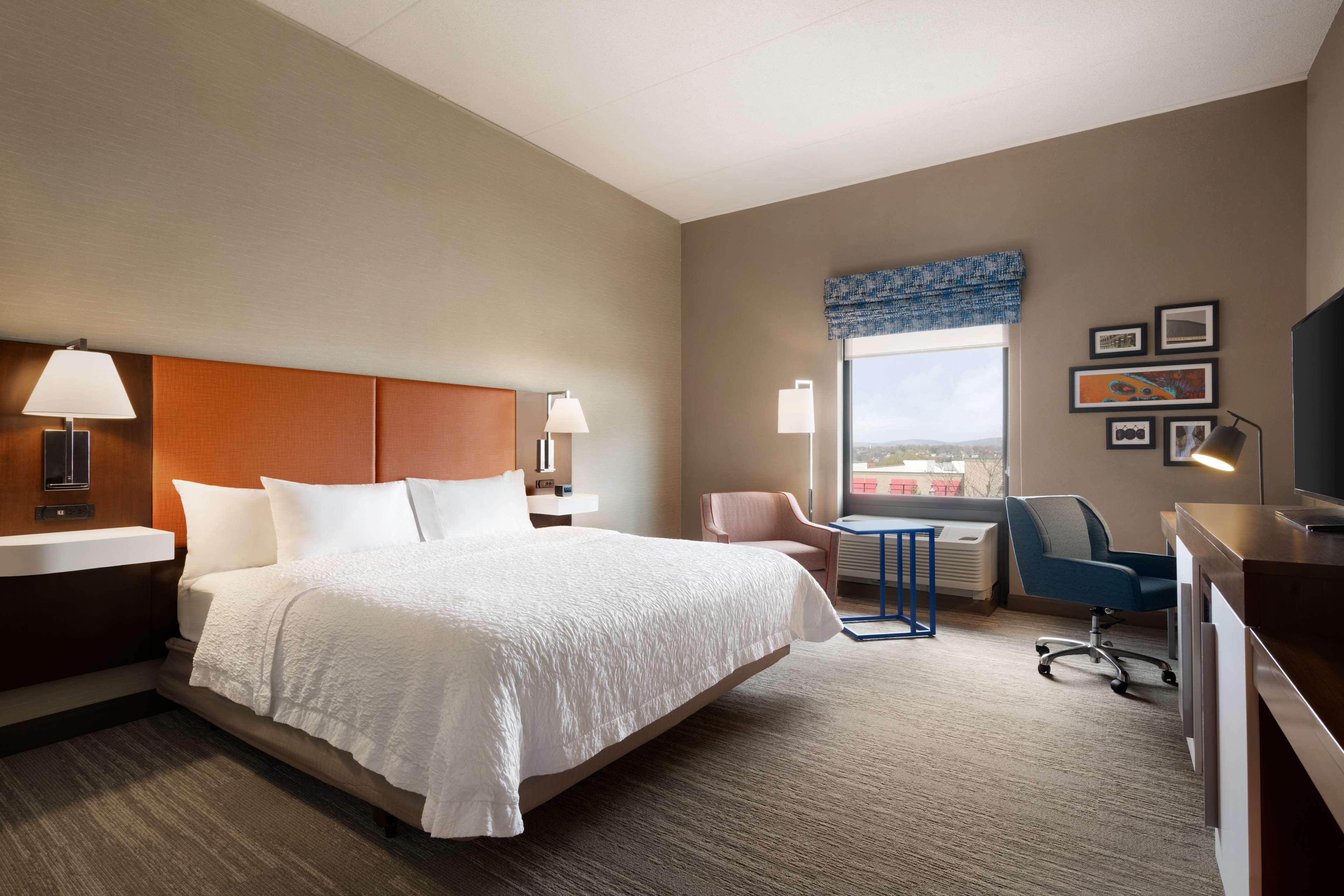 Hampton Inn & Suites Ephrata - Mountain Springs image 27