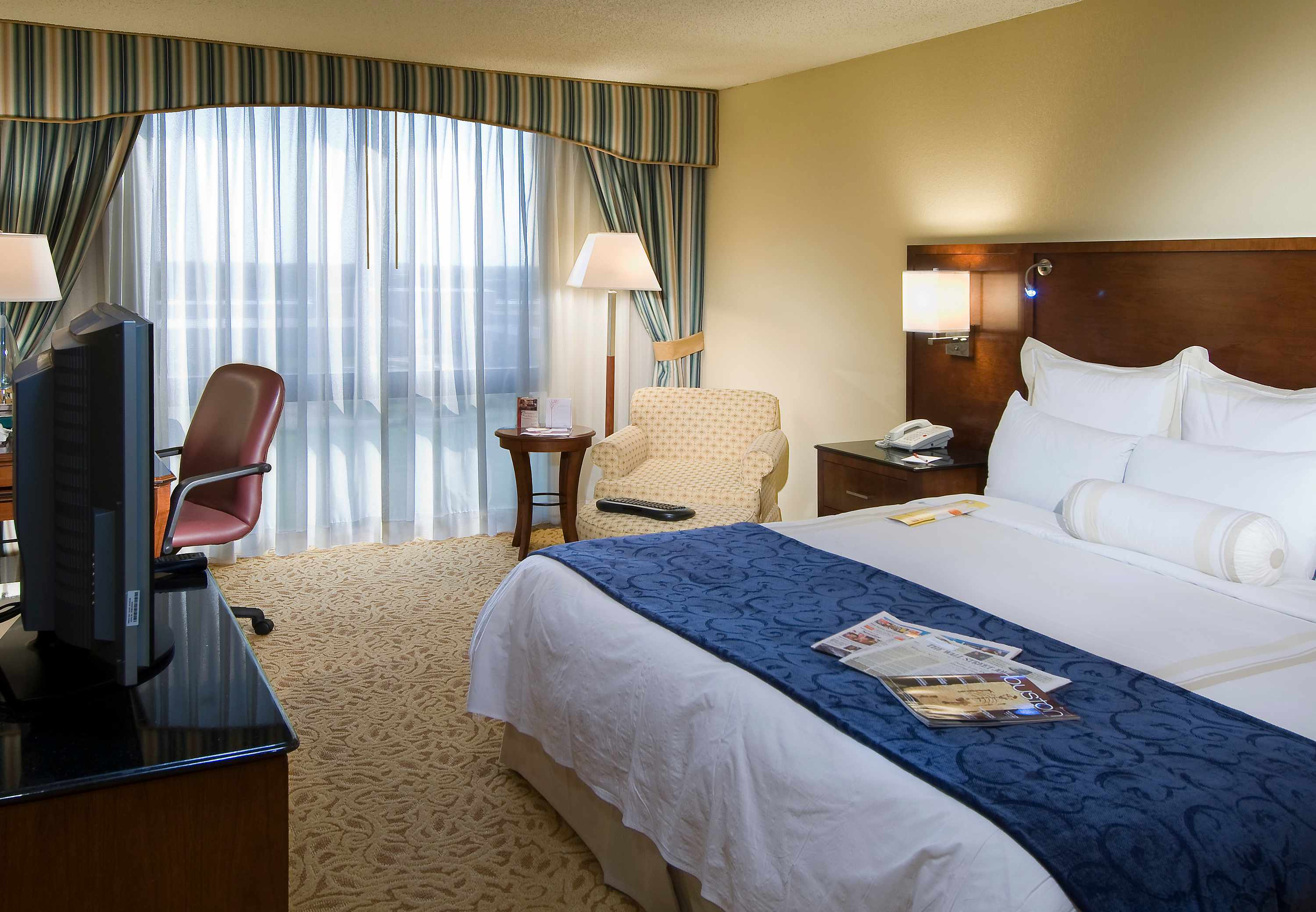 Houston Marriott South at Hobby Airport image 5