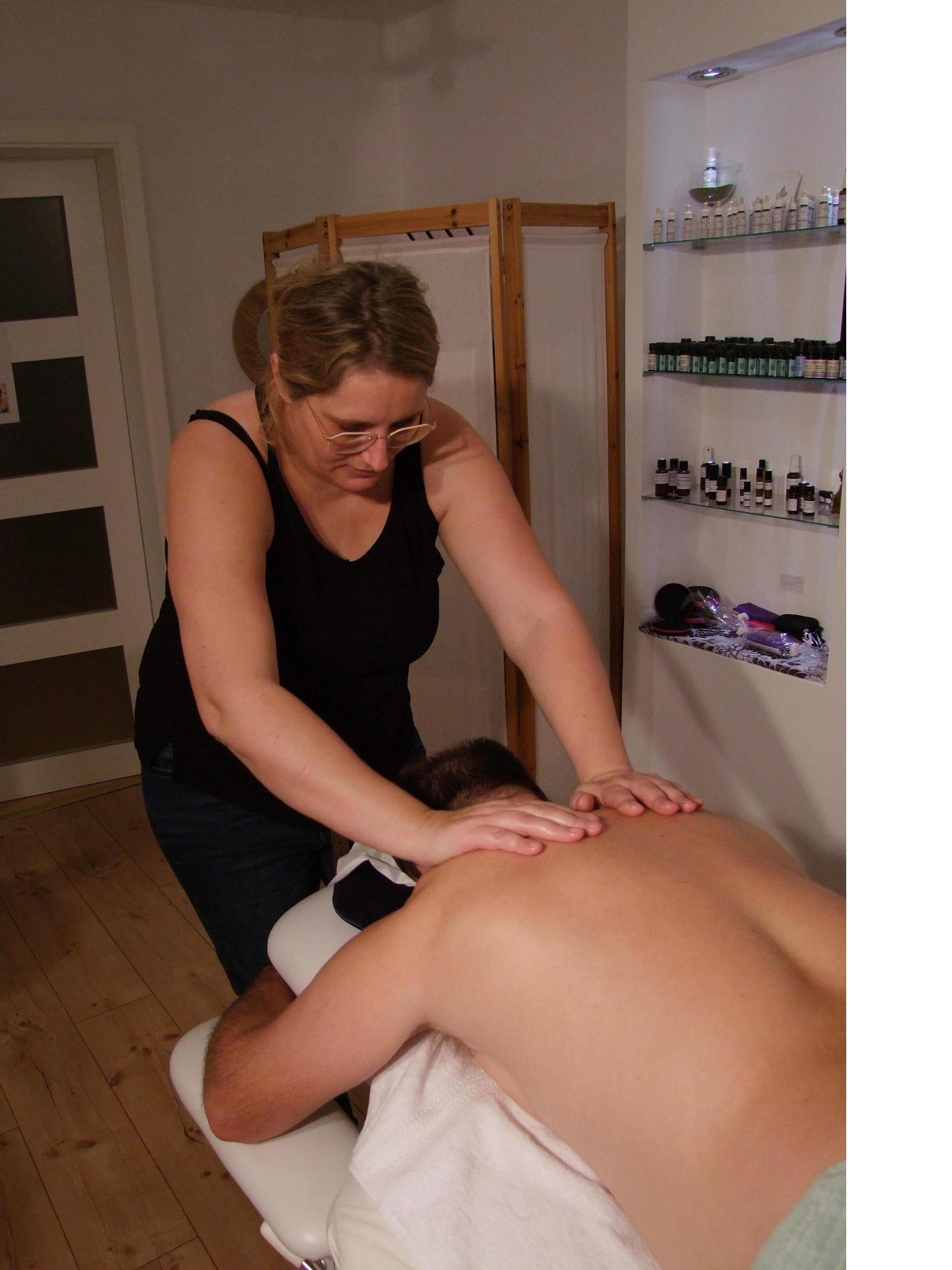 Caro'matouch Massage drainage lymphatique, aromathérapie, agréée ASCA