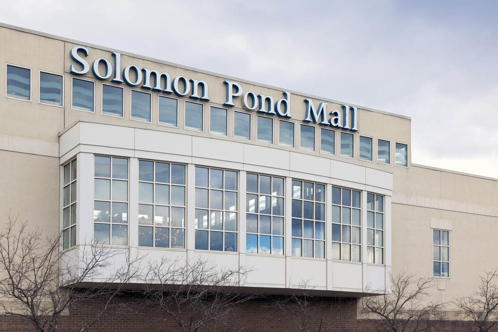 Solomon Pond Mall image 1