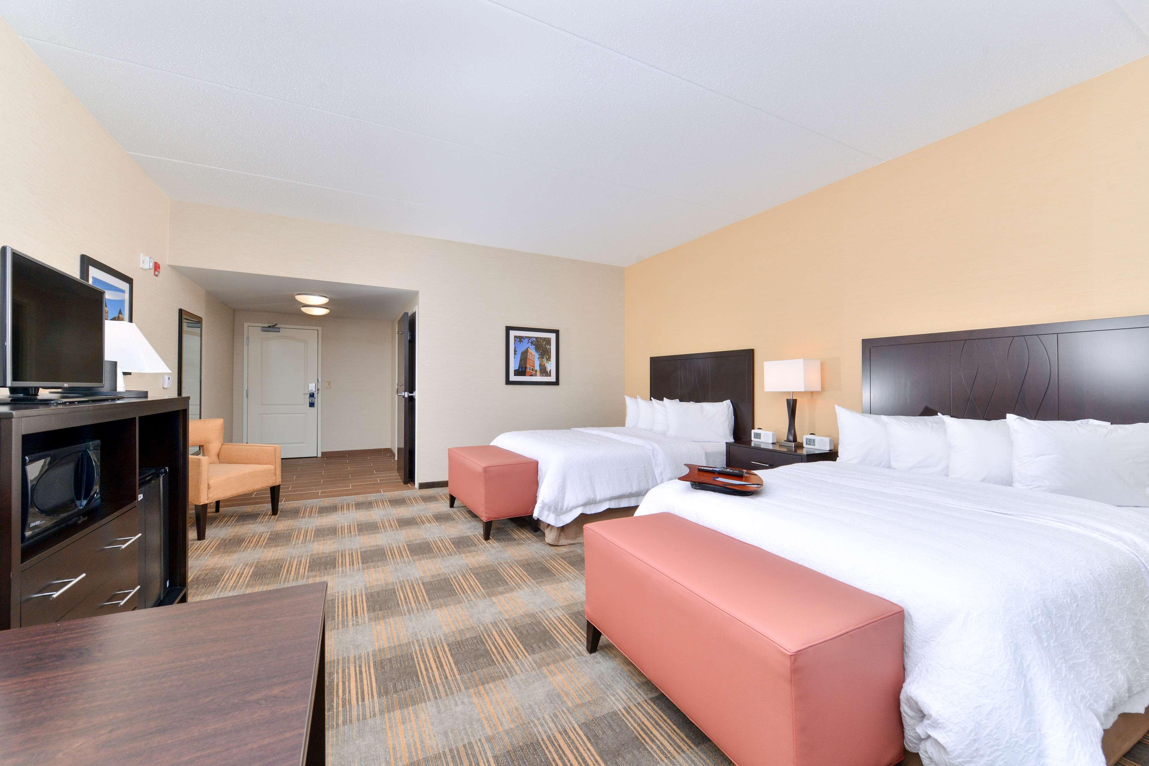 Hampton Inn & Suites California University-Pittsburgh image 22