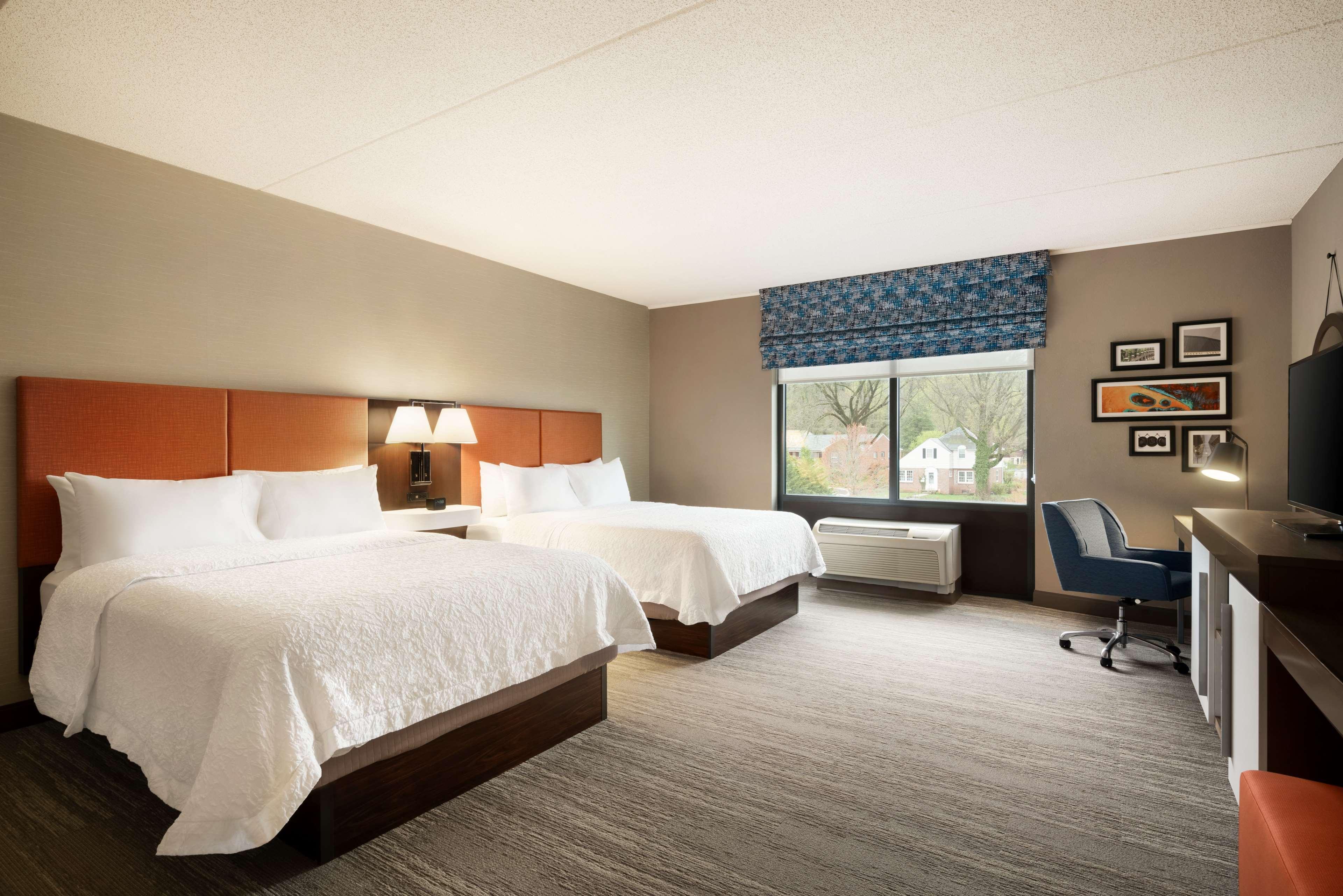 Hampton Inn & Suites Ephrata - Mountain Springs image 14