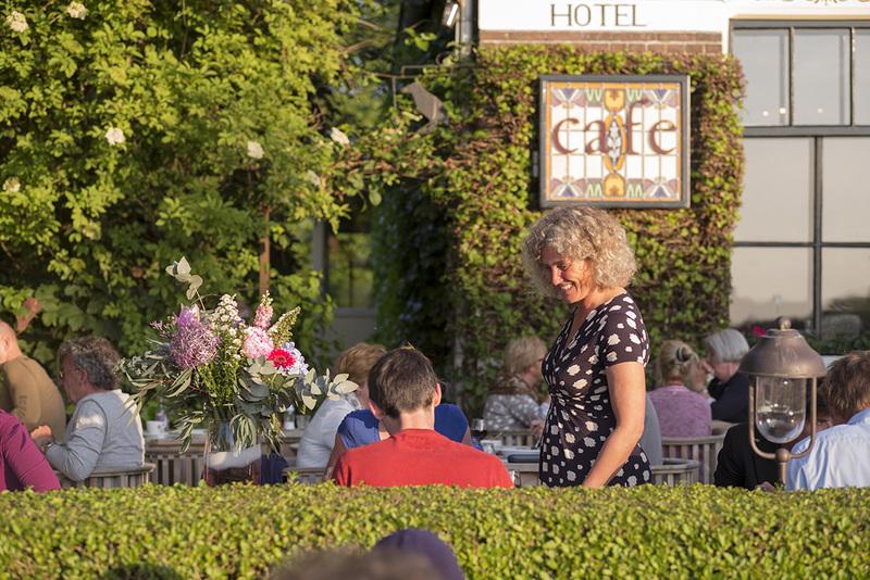 Oortjeshekken Hotel Restaurant Huiskamercafé