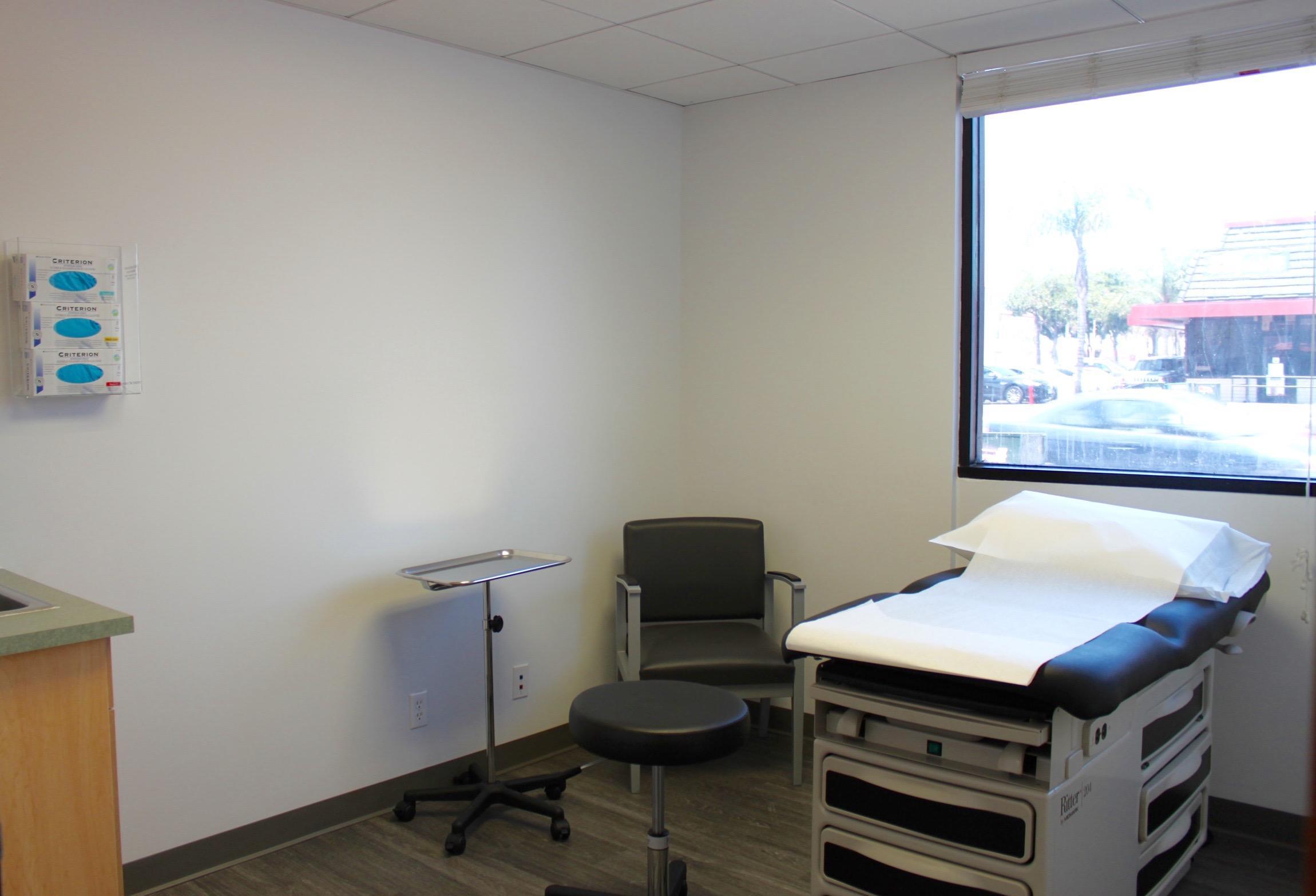 Reliant Urgent Care - Huntington Park image 1