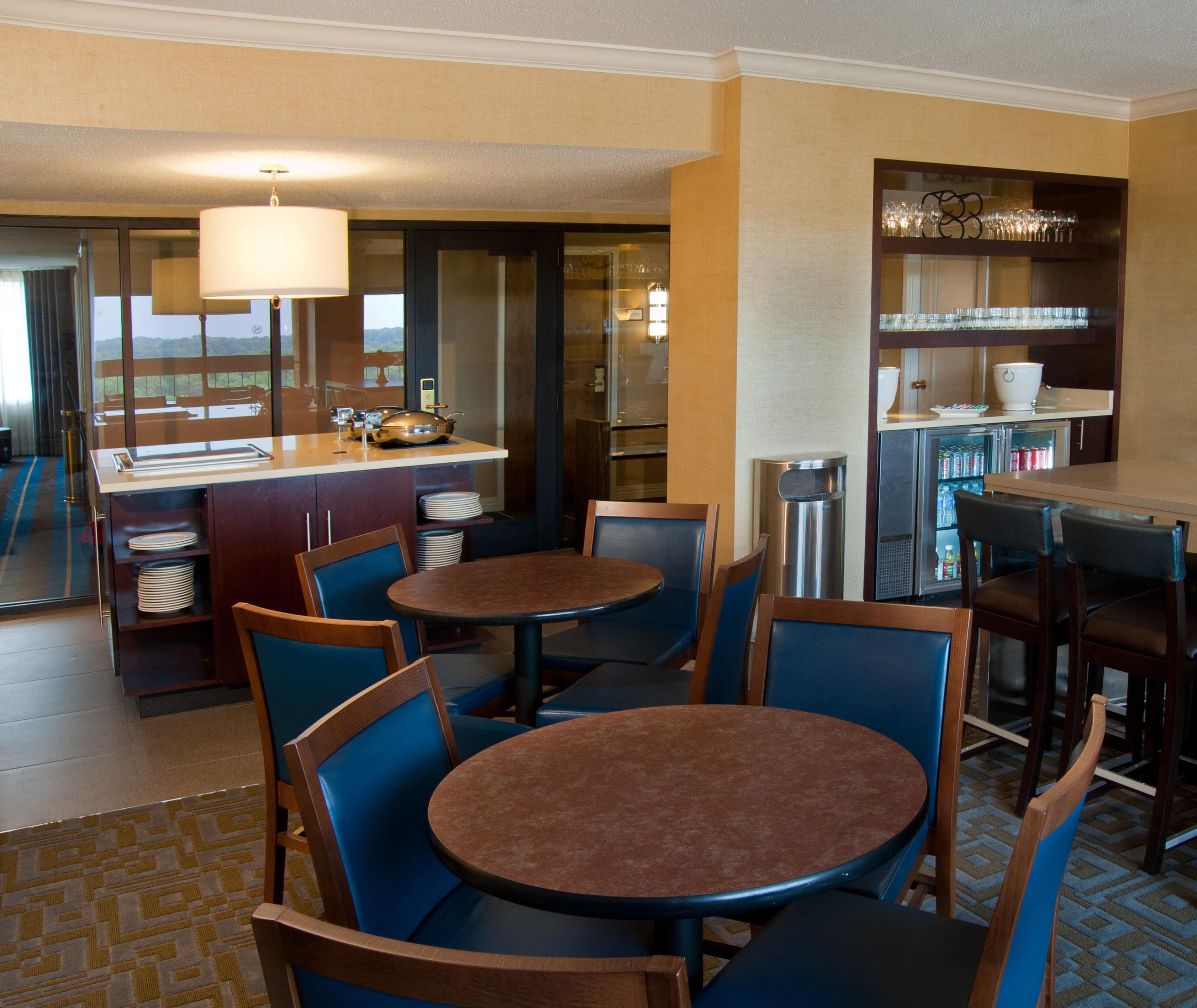 Sheraton Westport Plaza Hotel St. Louis image 8