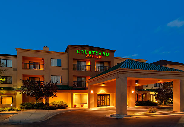 Courtyard by Marriott Grand Rapids Airport image 1