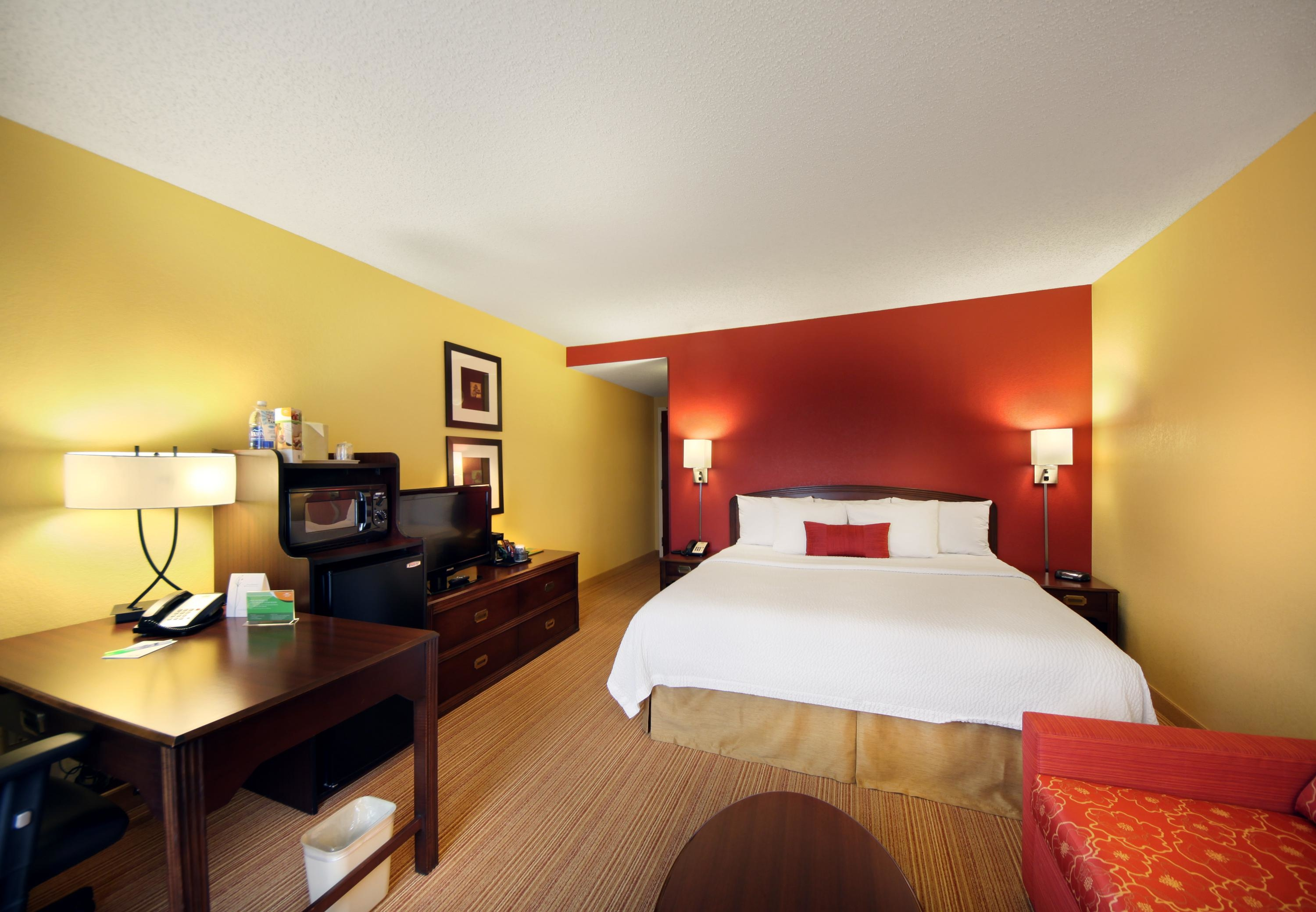 Courtyard by Marriott Tulsa Central image 0