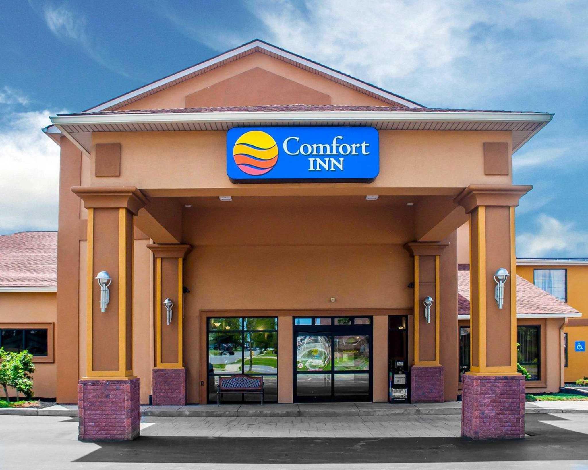 Comfort Inn Near Walden Galleria Mall image 0