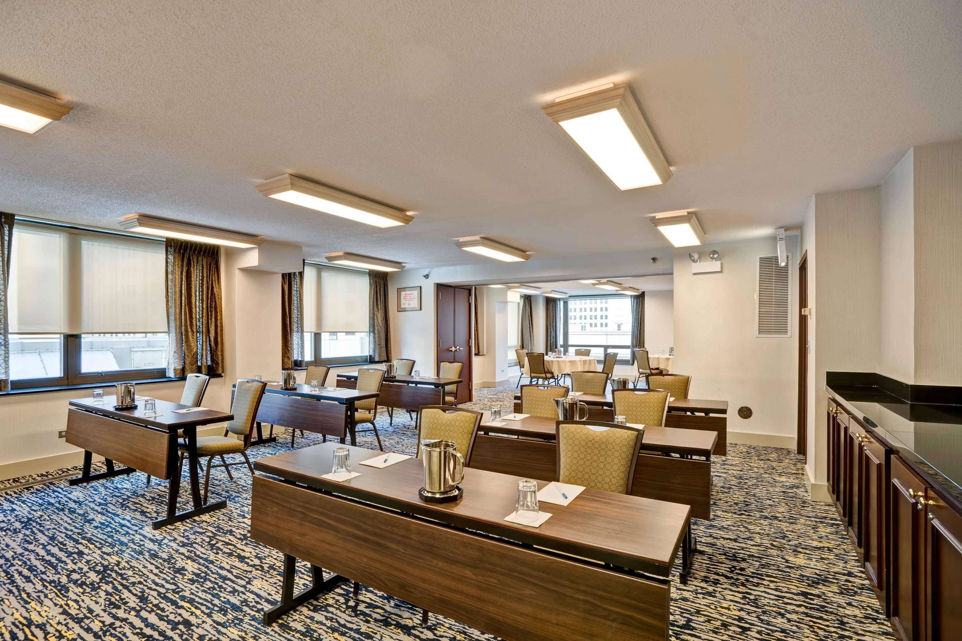 Homewood Suites by Hilton Chicago-Downtown image 39