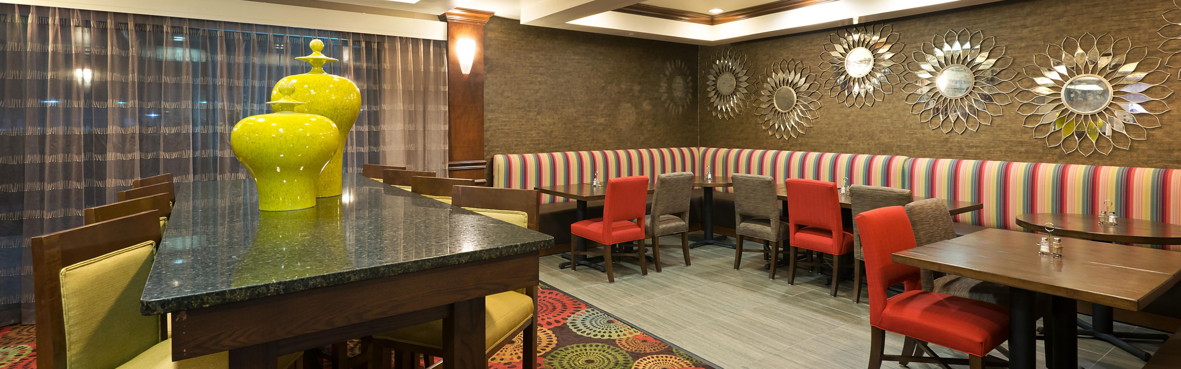 Holiday Inn Express & Suites Little Rock-West image 3
