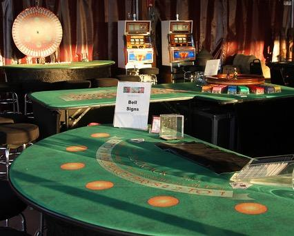 strip blackjack game online