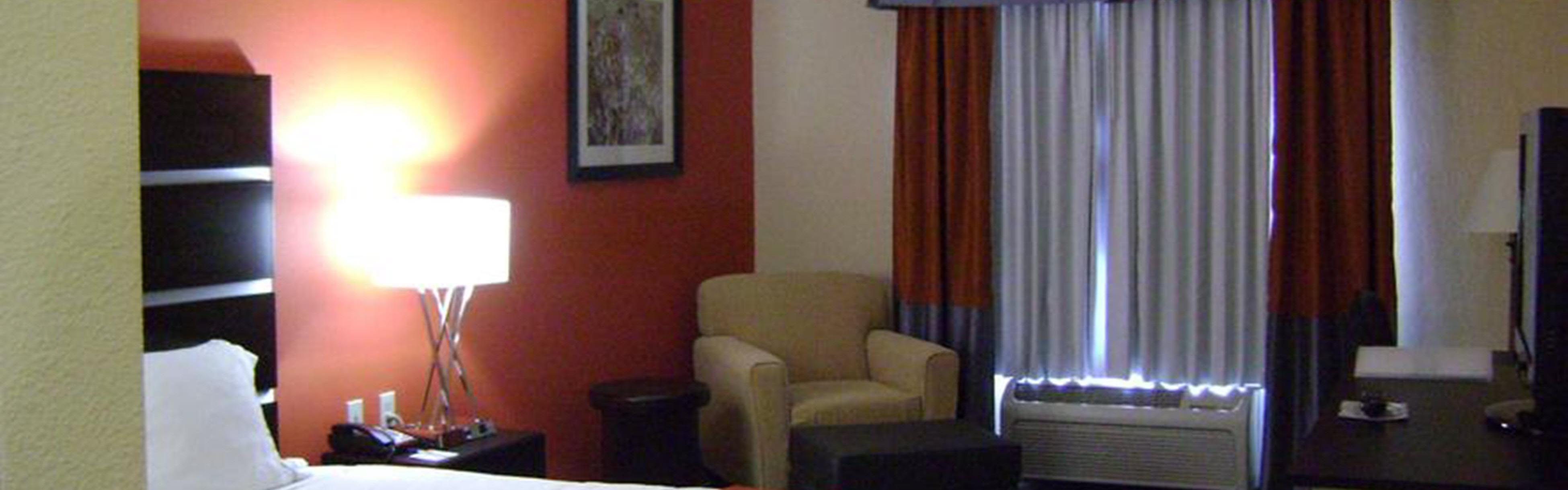 Holiday Inn Express & Suites Kingwood - Medical Center Area image 1