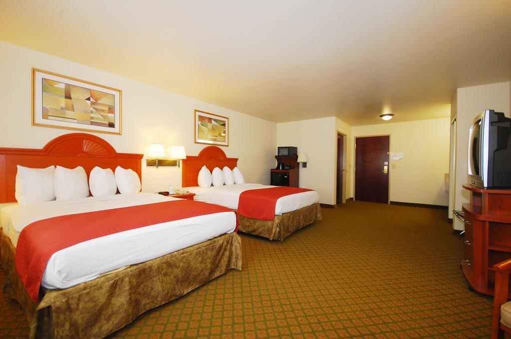 Best Western Henrietta Inn & Suites image 16