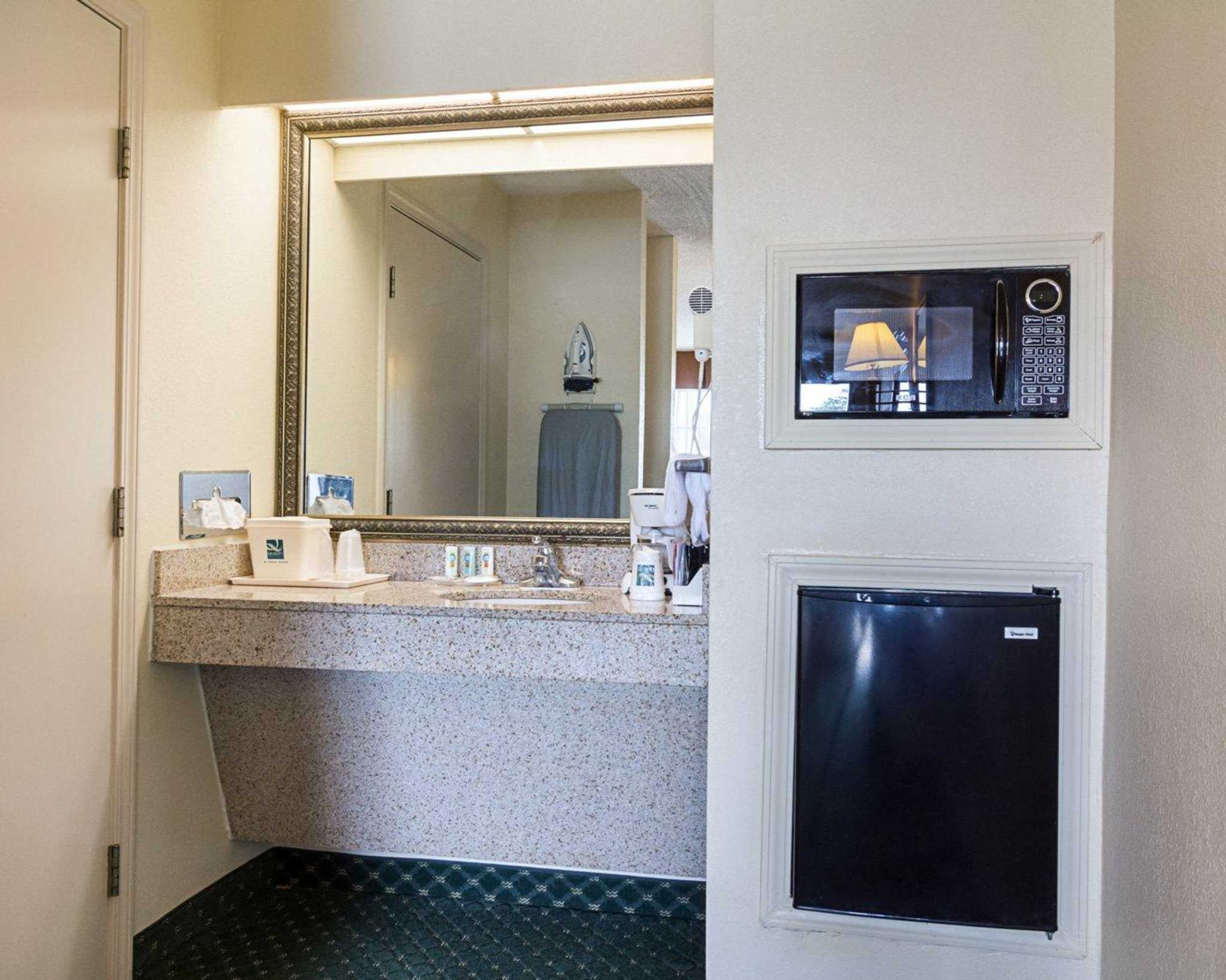 Quality Inn & Suites Southwest image 16